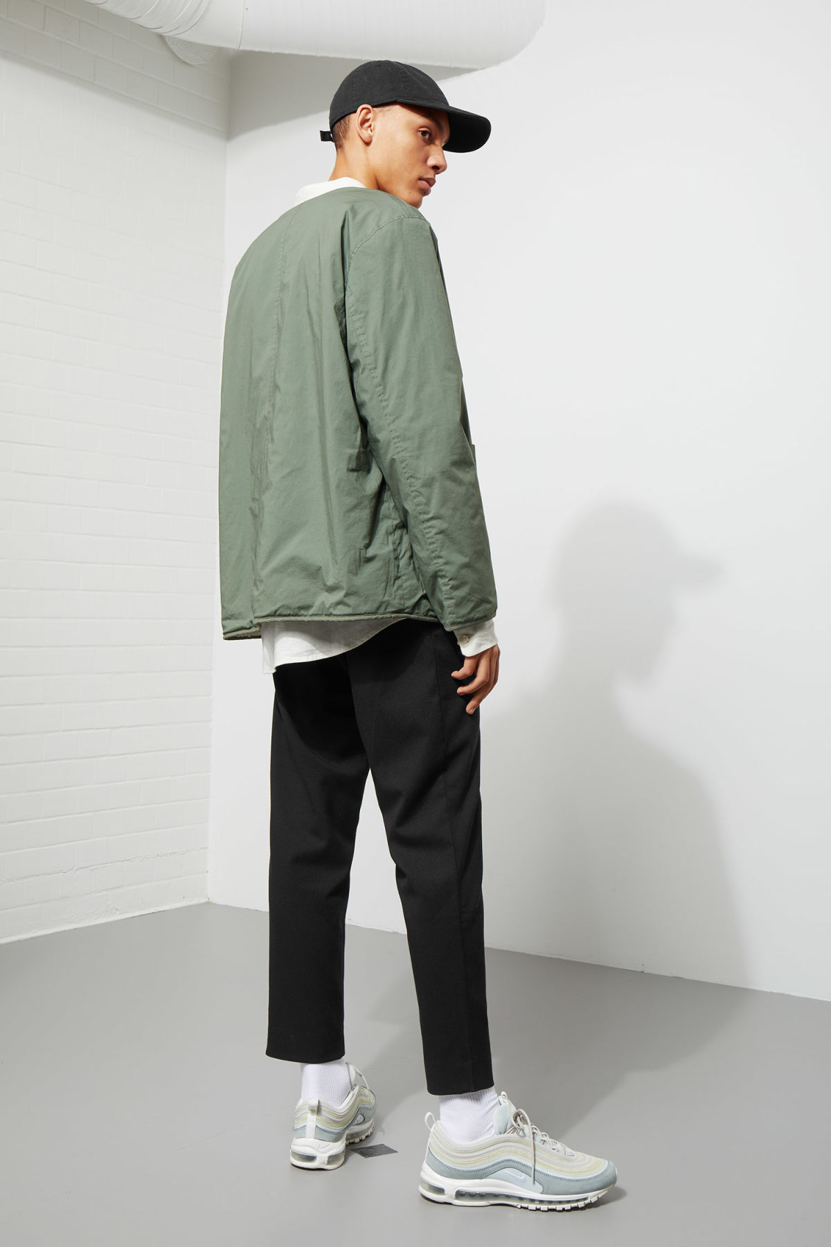 Model back image of Weekday impasto liner jacket in green
