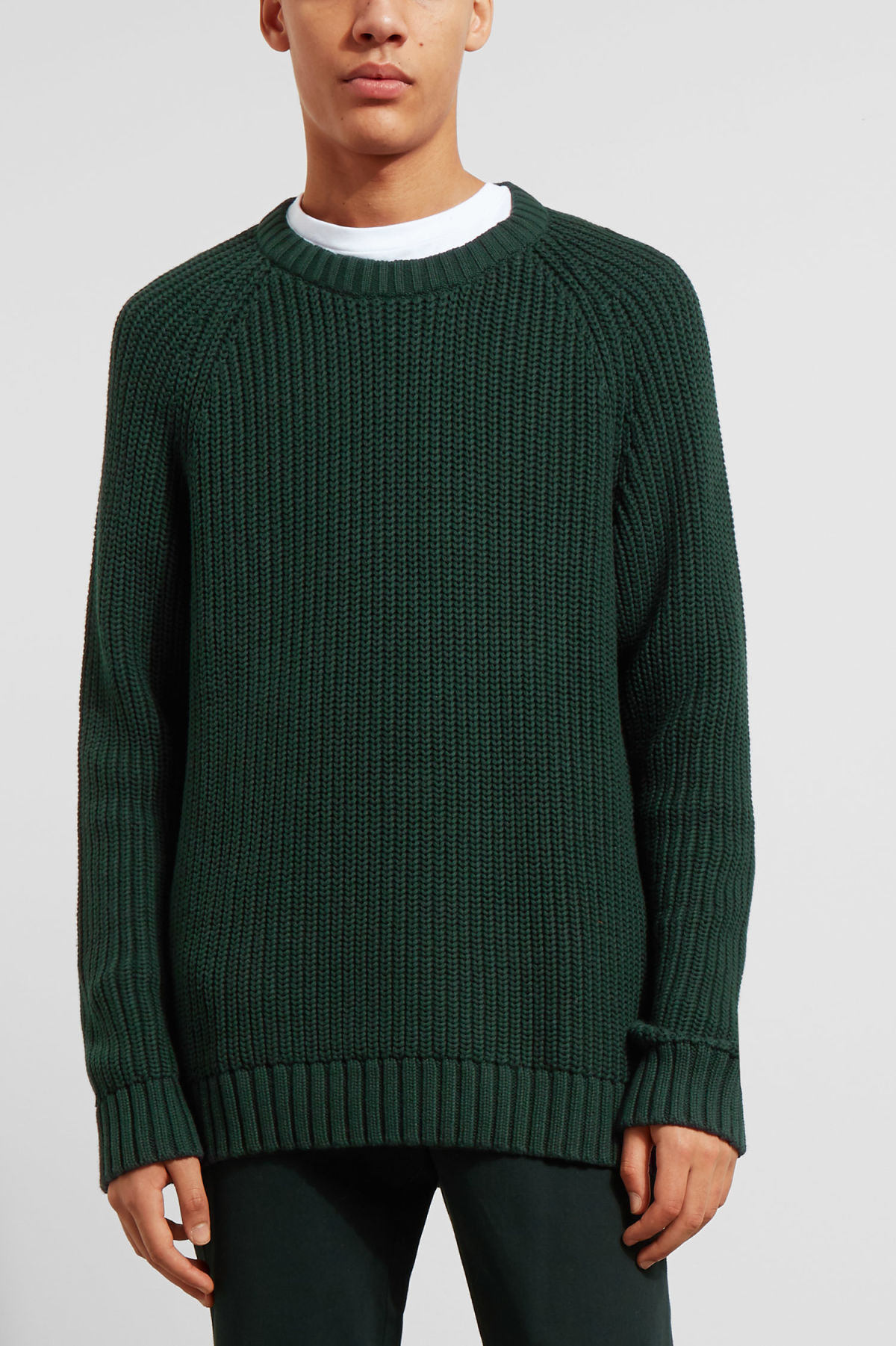 Model front image of Weekday josef rib sweater  in green