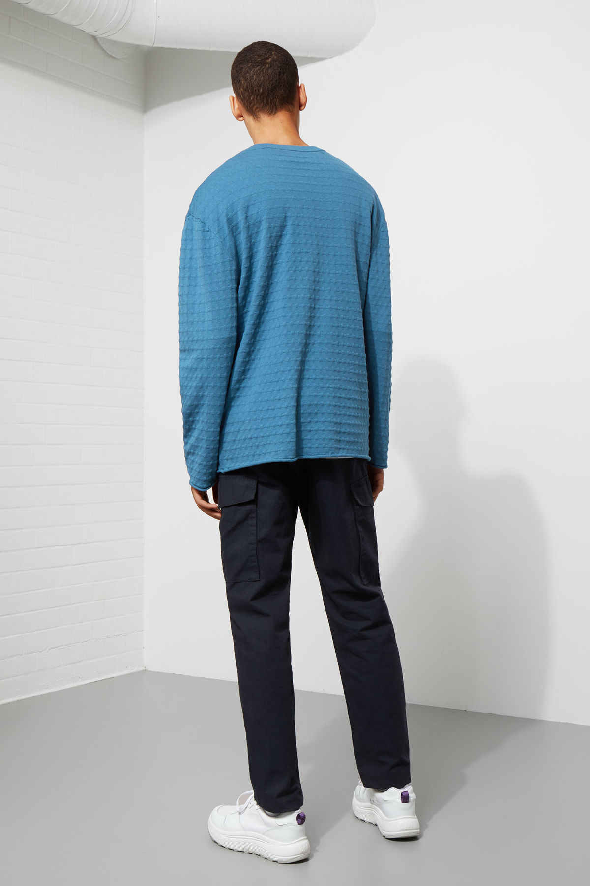 Model back image of Weekday prism sweater  in blue