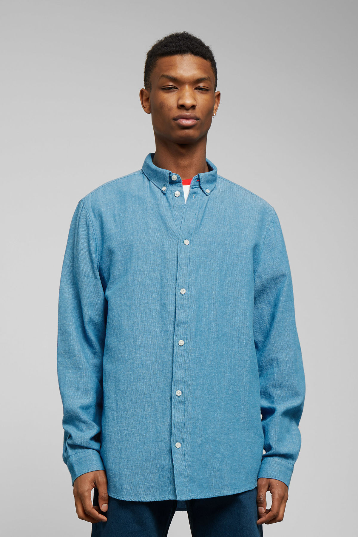 Model front image of Weekday seattle twotwill shirt in blue