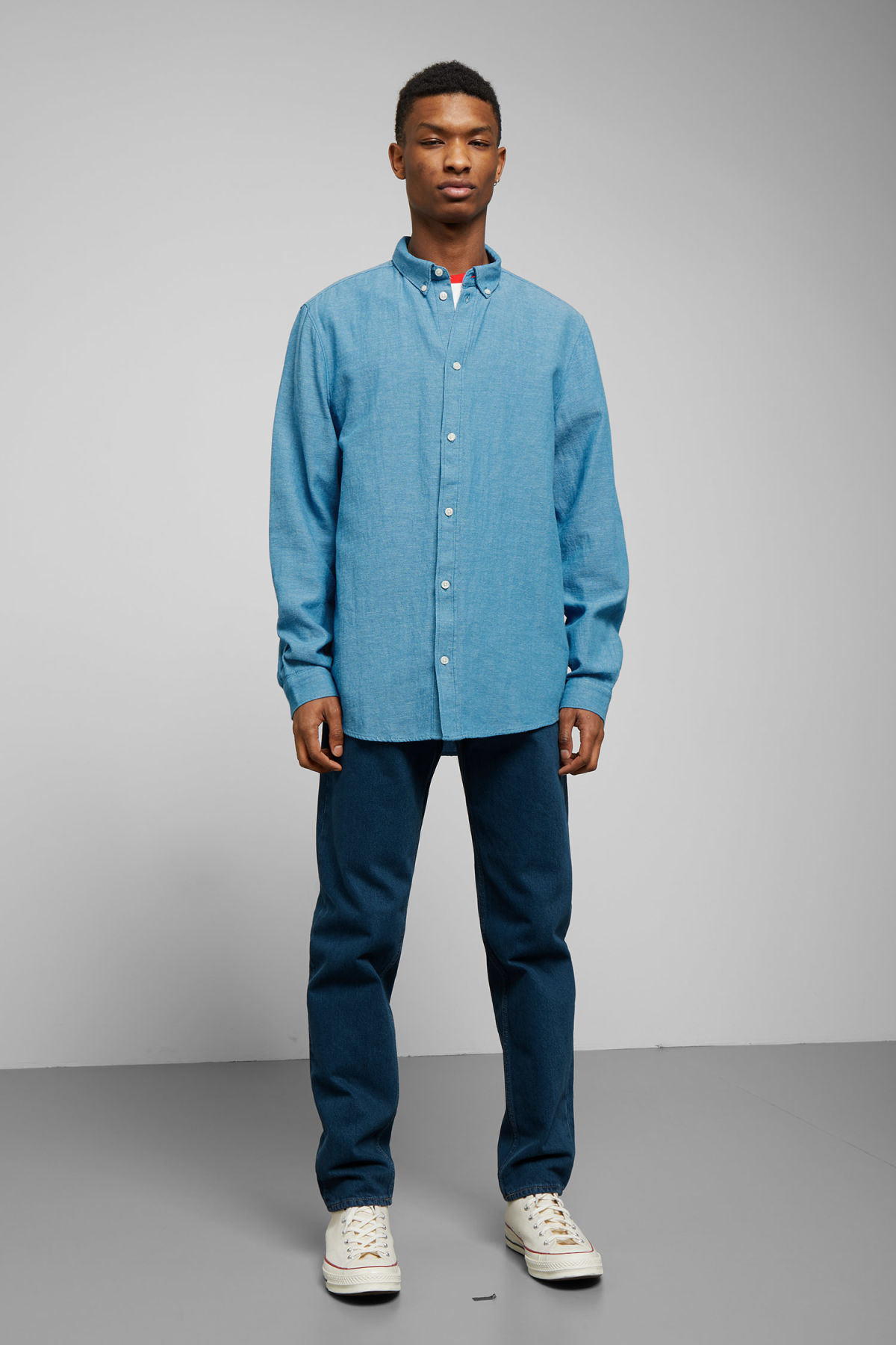 Model side image of Weekday seattle twotwill shirt in blue