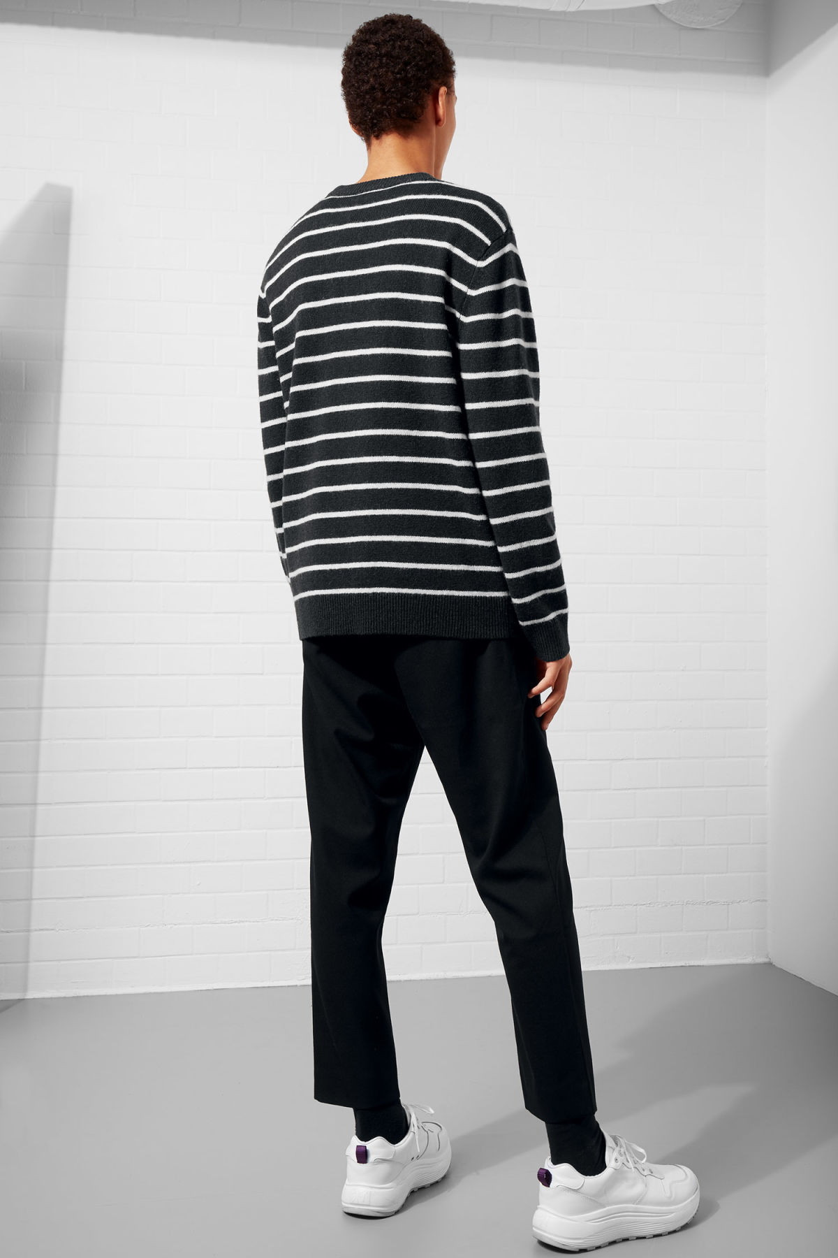Model back image of Weekday vinci stripe sweater  in blue