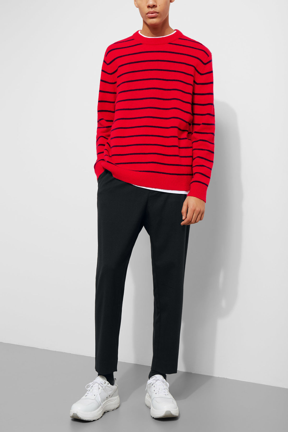 Model front image of Weekday vinci stripe sweater  in red