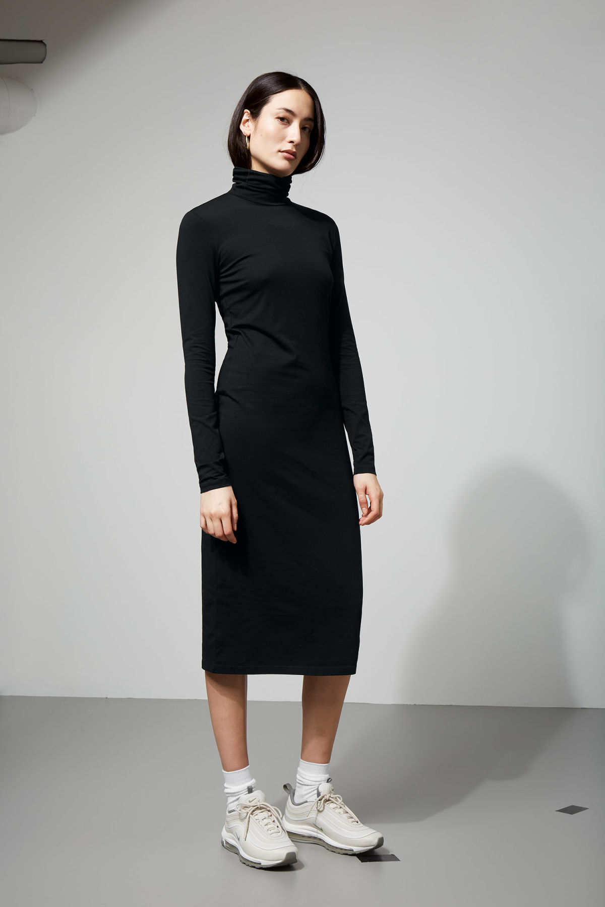 Model front image of Weekday pose dress in black