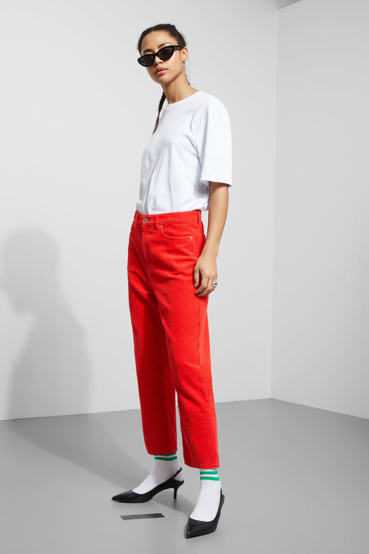 Model front image of Weekday bell trousers in red