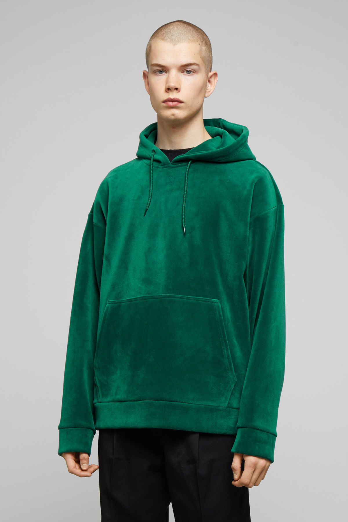 Model front image of Weekday big hawk velvet hoodie in green