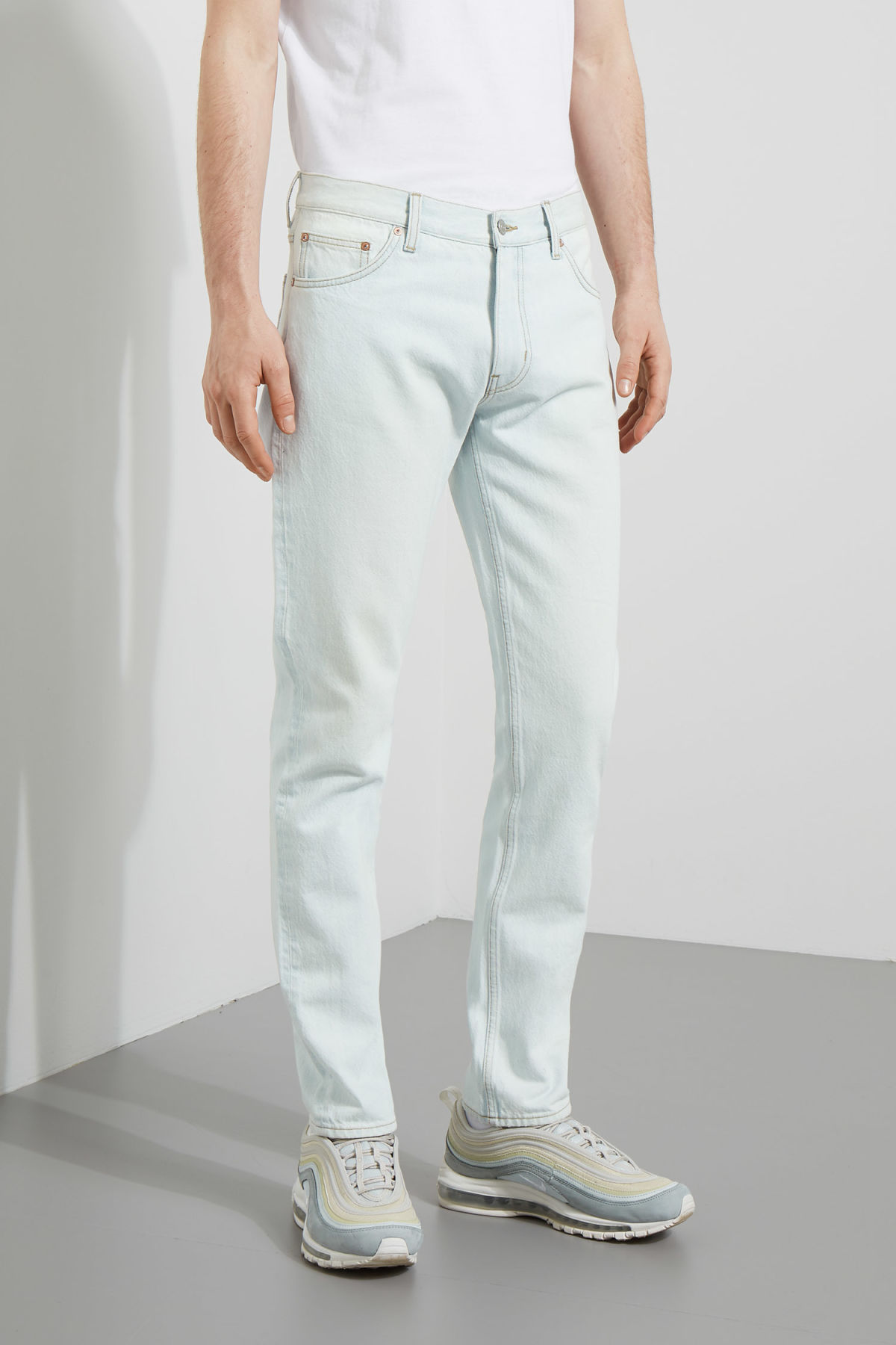 Model front image of Weekday friday bleached jeans in blue