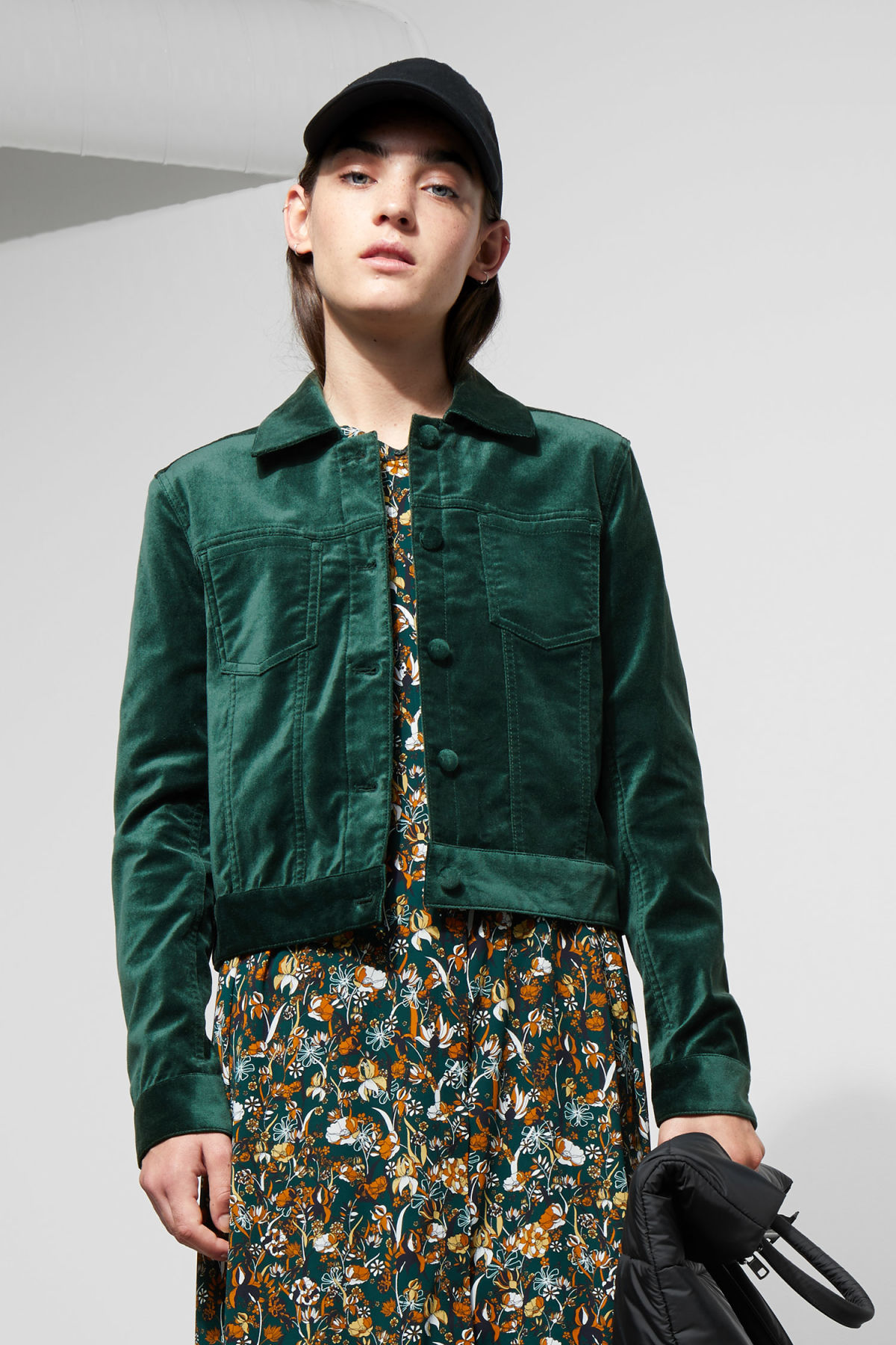 Model front image of Weekday liza jacket in green