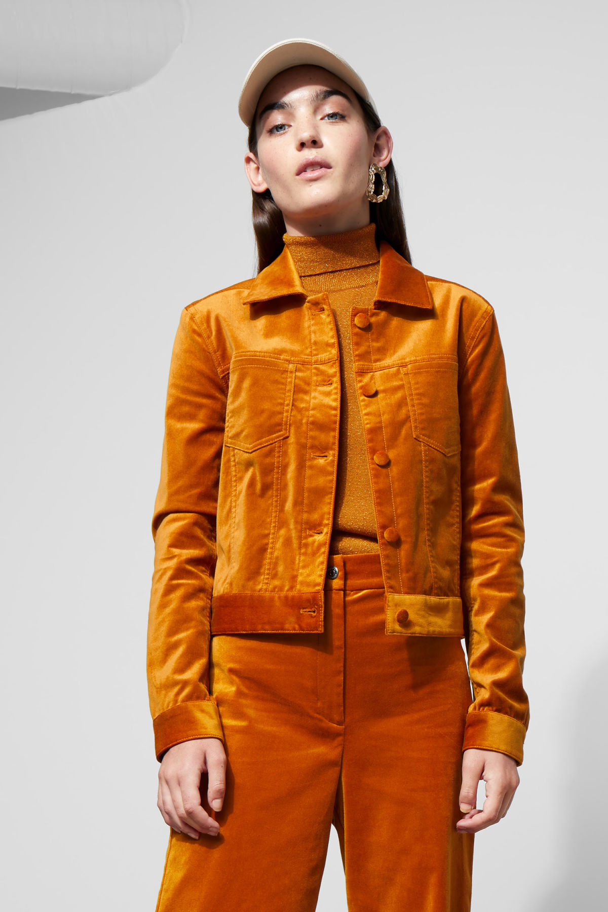 Model front image of Weekday liza jacket in yellow