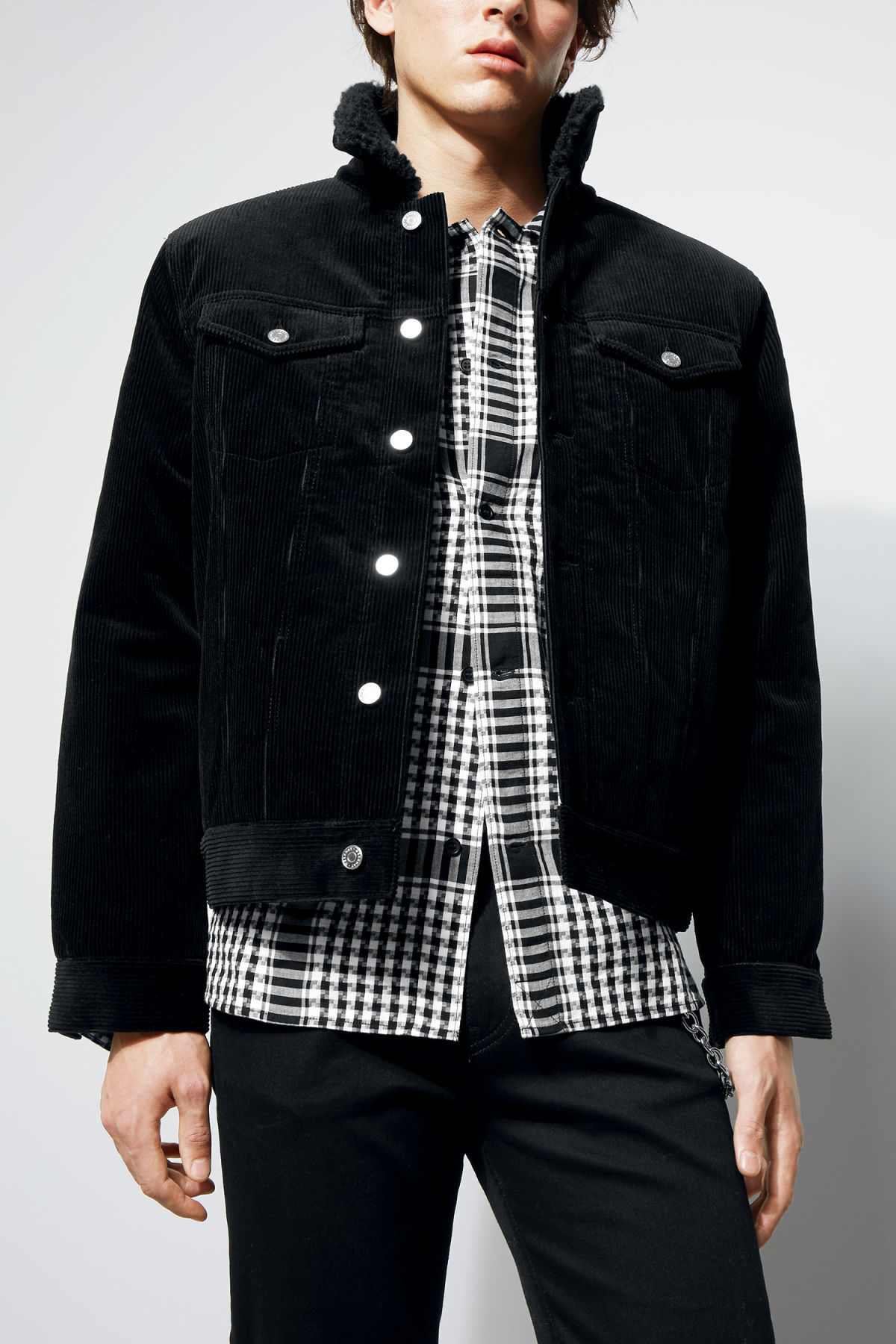 Model front image of Weekday single cord pile jacket in black