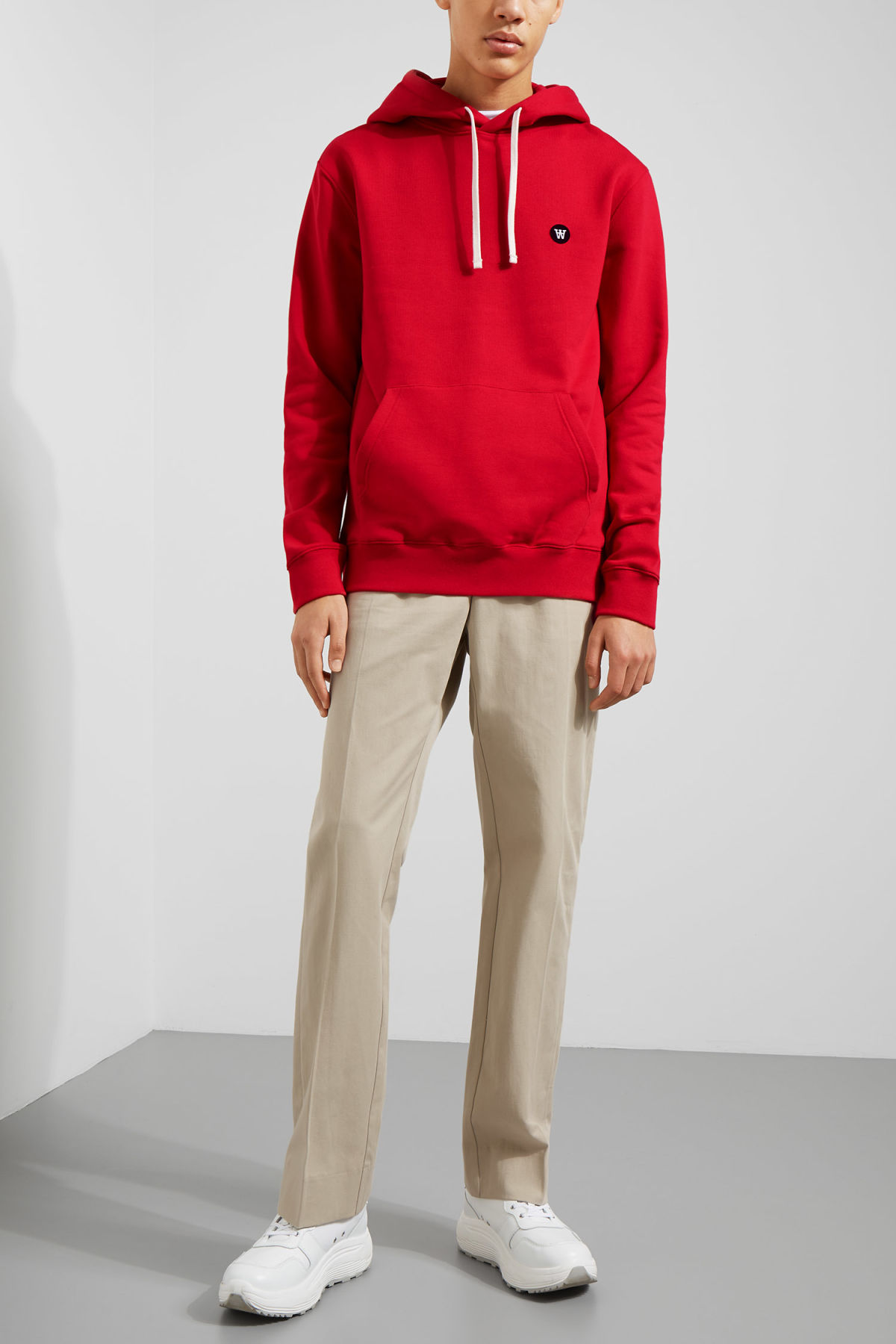 Model side image of Weekday ian hoodie  in red