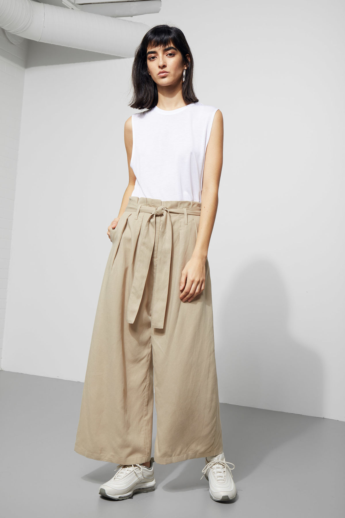 Model front image of Weekday mucha trousers in beige