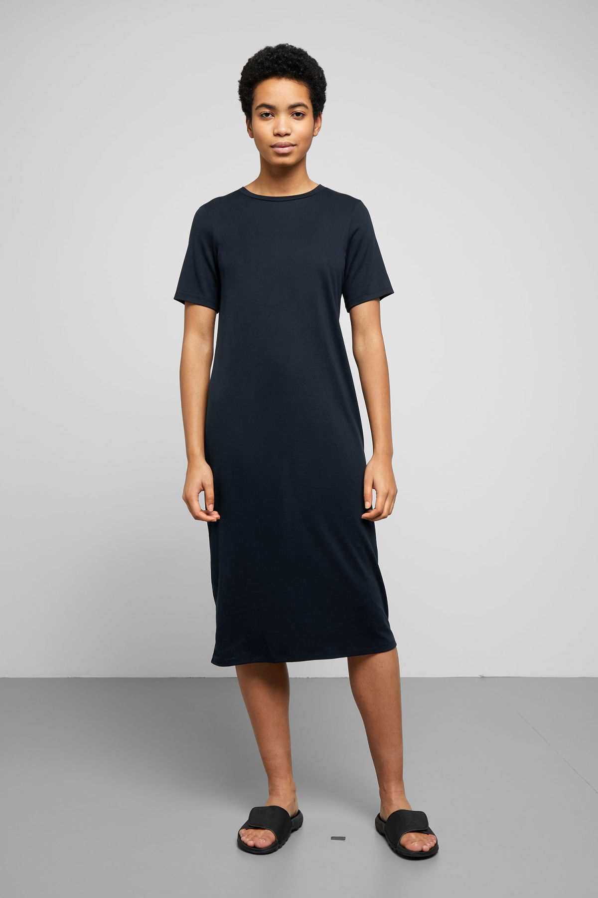Model front image of Weekday beyond dress in blue