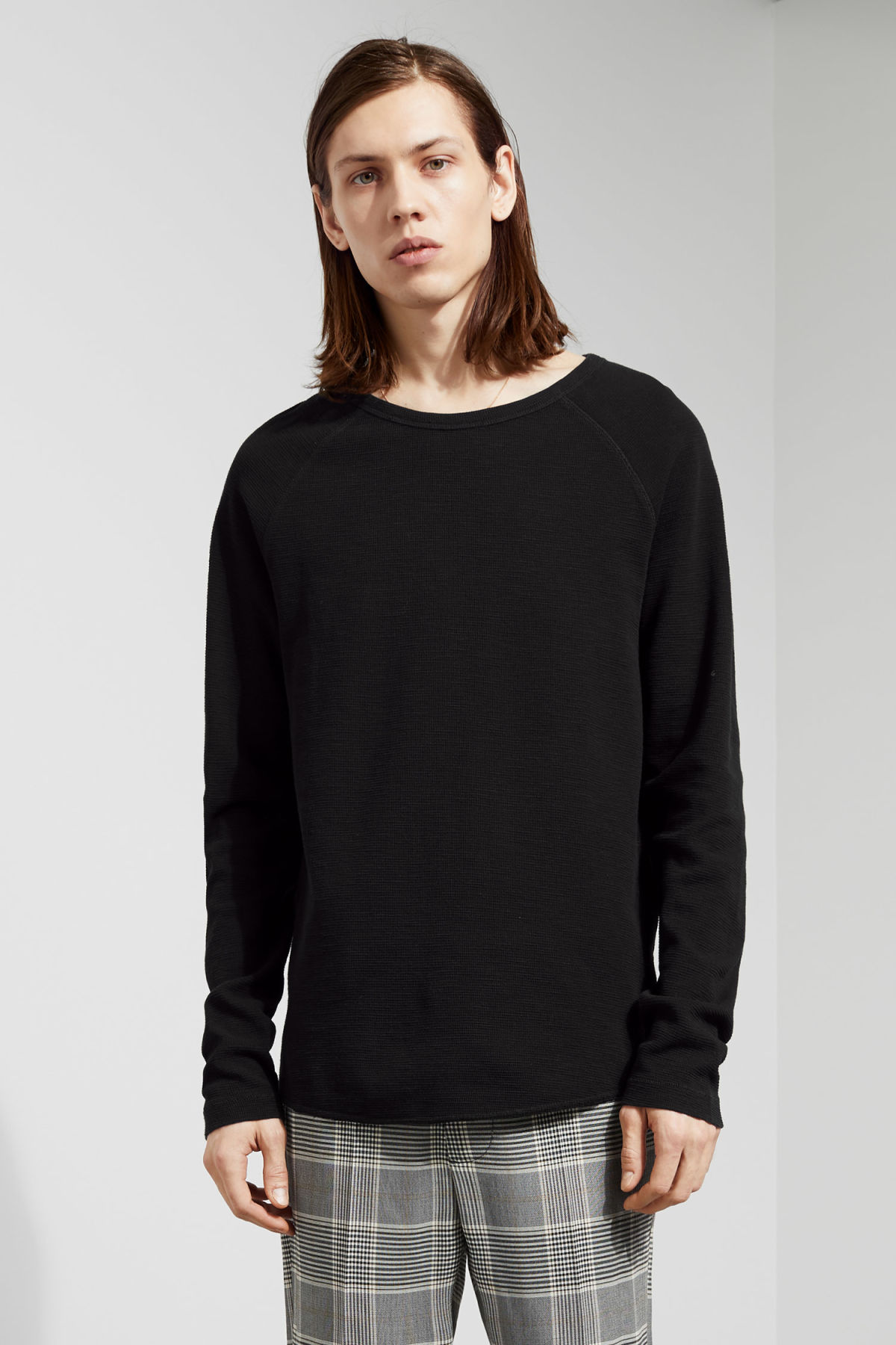 Model front image of Weekday zic waffle long sleeve in black