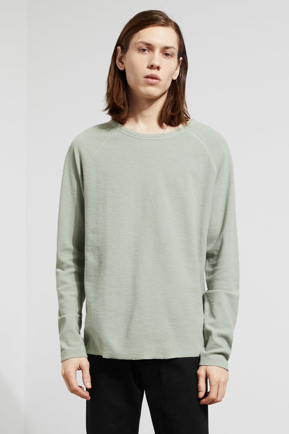 Model front image of Weekday zic waffle long sleeve in green