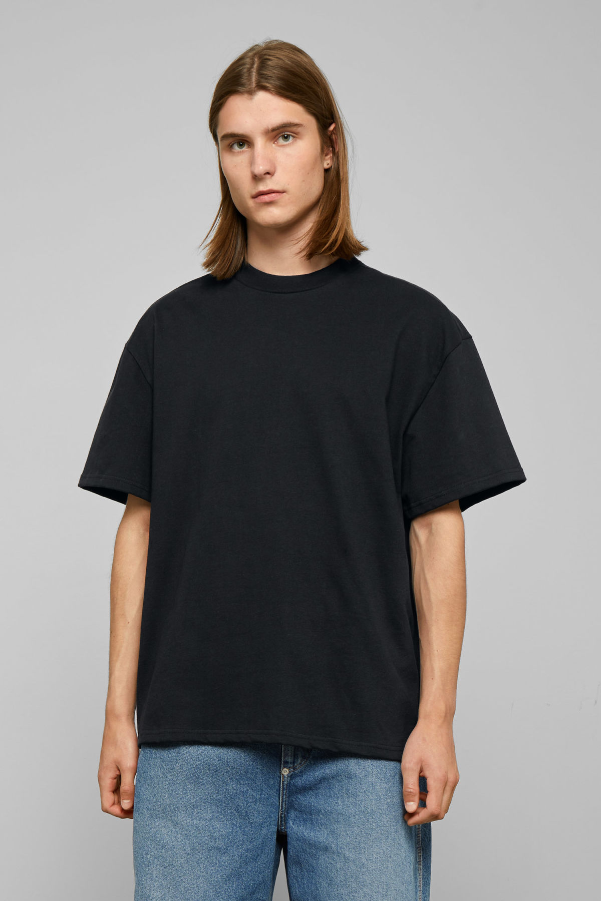 Model front image of Weekday great t-shirt in black