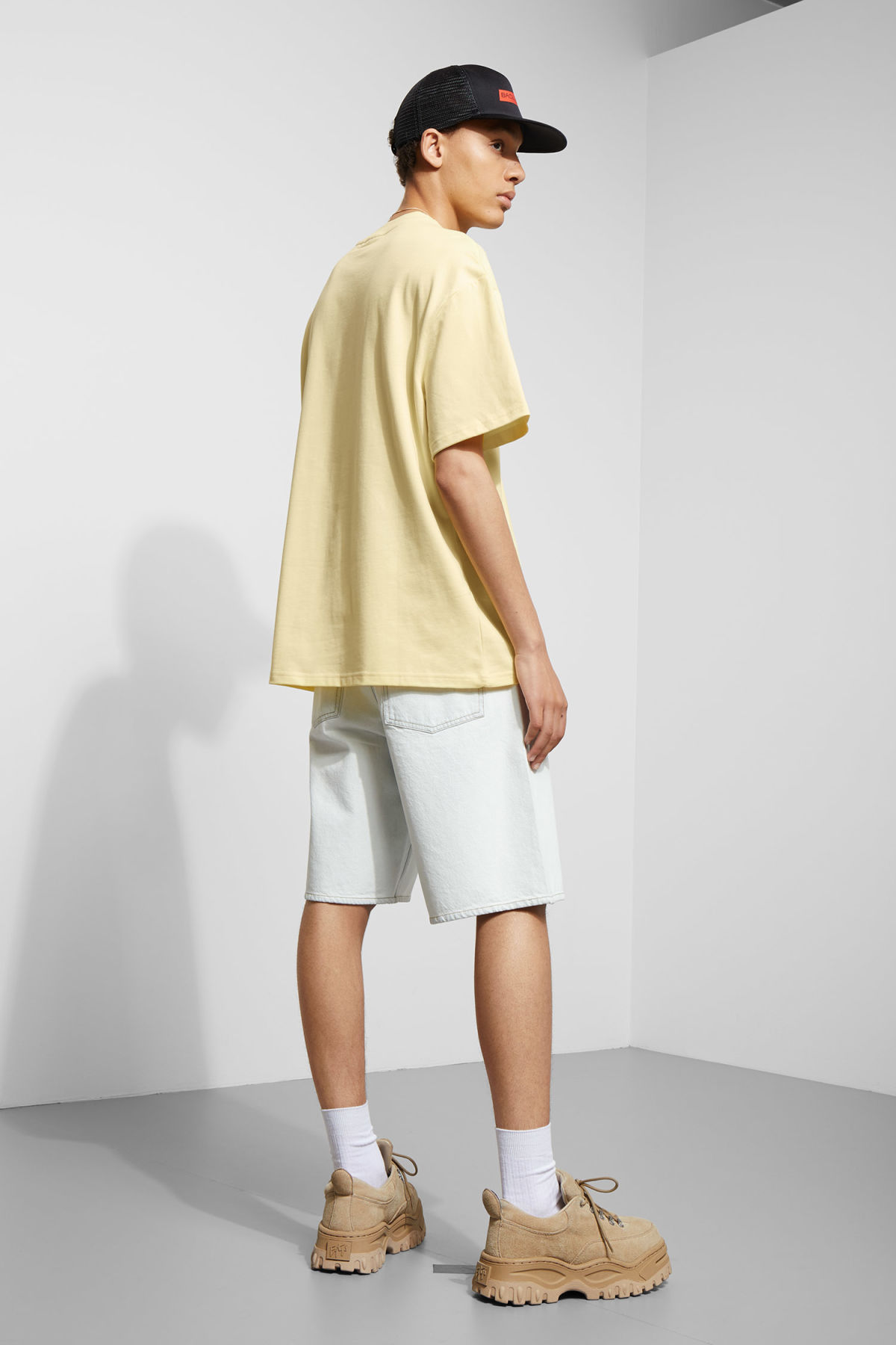 Model back image of Weekday great t-shirt in yellow