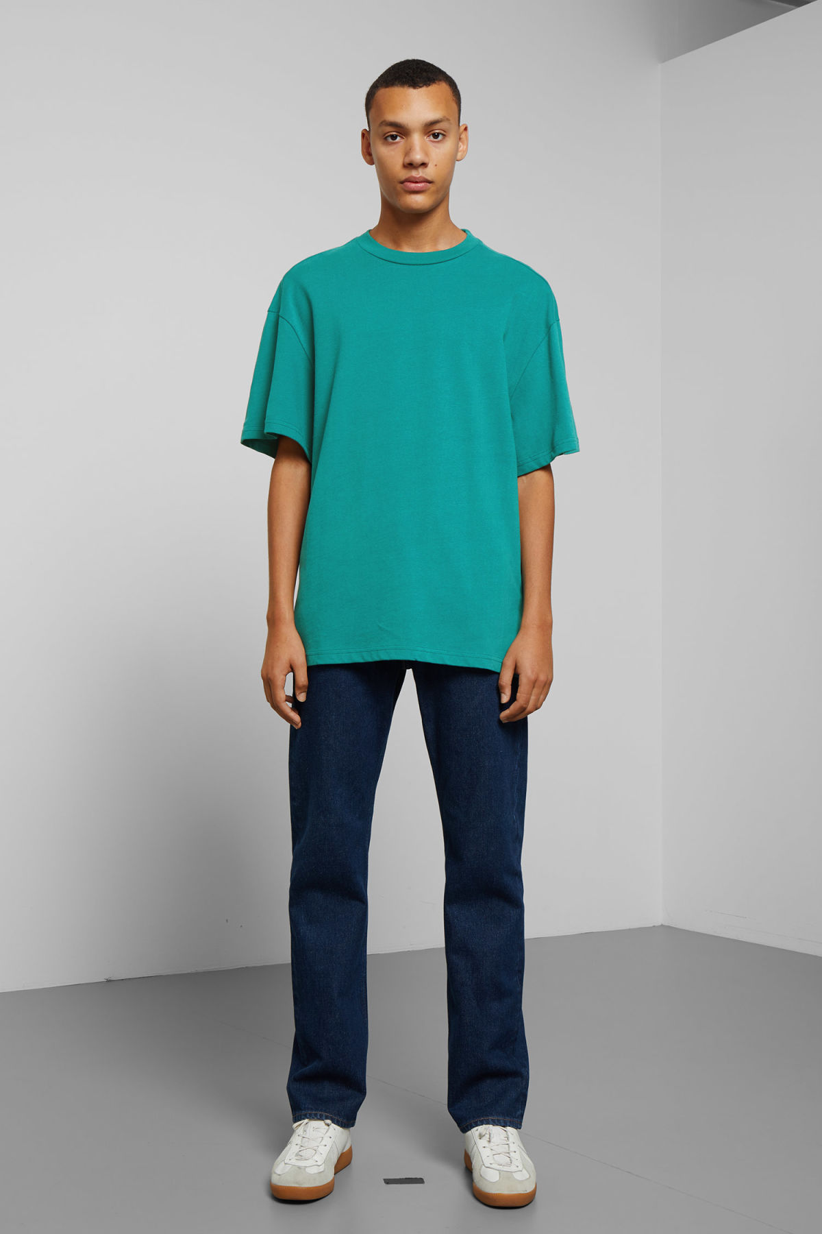 Model back image of Weekday great t-shirt in turquoise