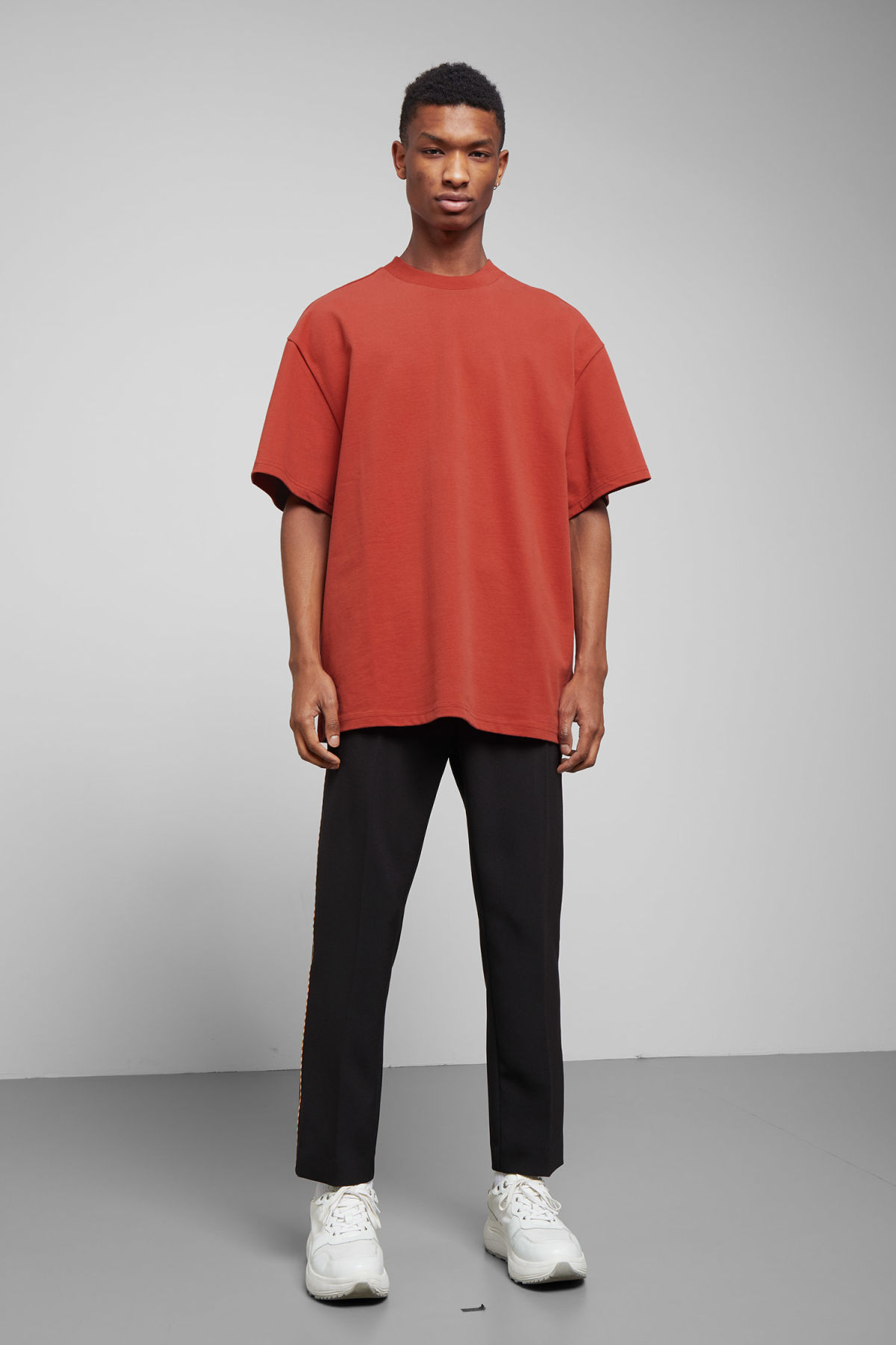 Model side image of Weekday great t-shirt in red