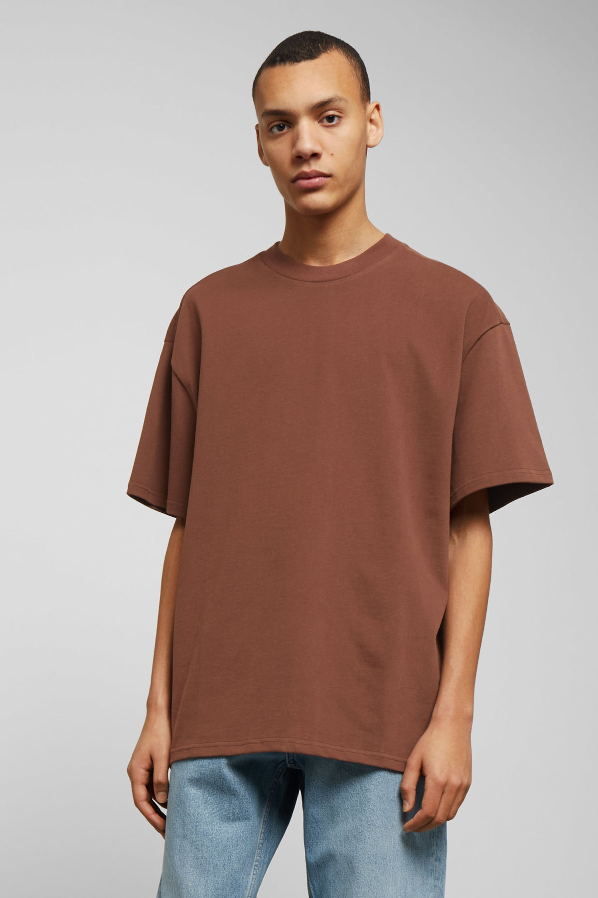 Model front image of Weekday great t-shirt in beige