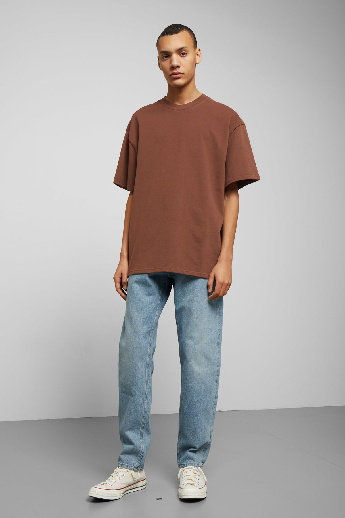 Model side image of Weekday great t-shirt in beige