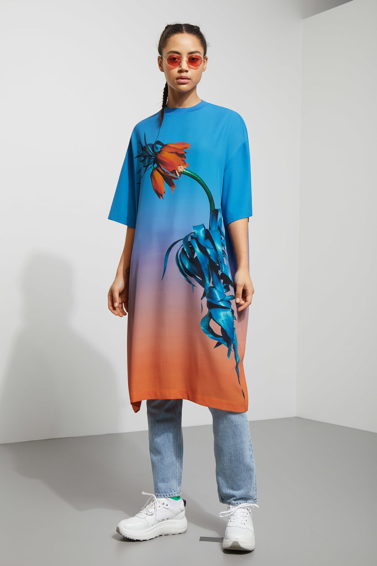 Model front image of Weekday madde t-shirt dress  in blue