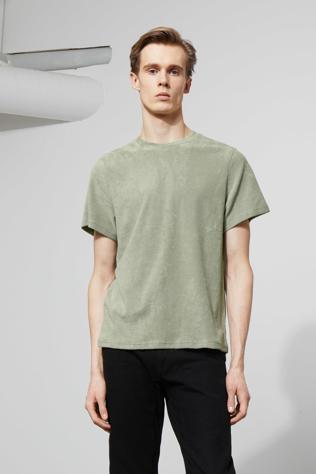Model front image of Weekday towel t-shirt in green