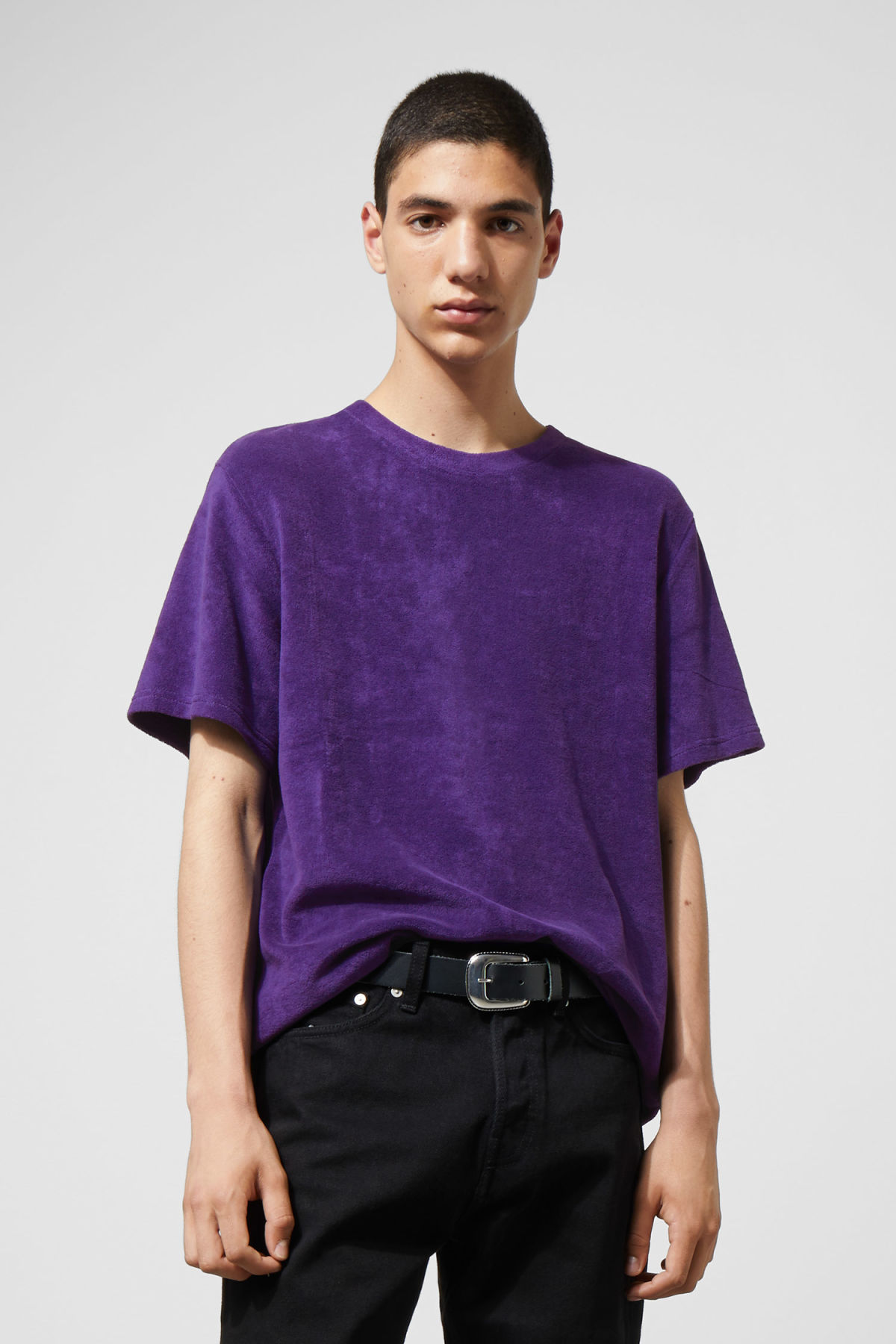 Model front image of Weekday towel t-shirt in purple