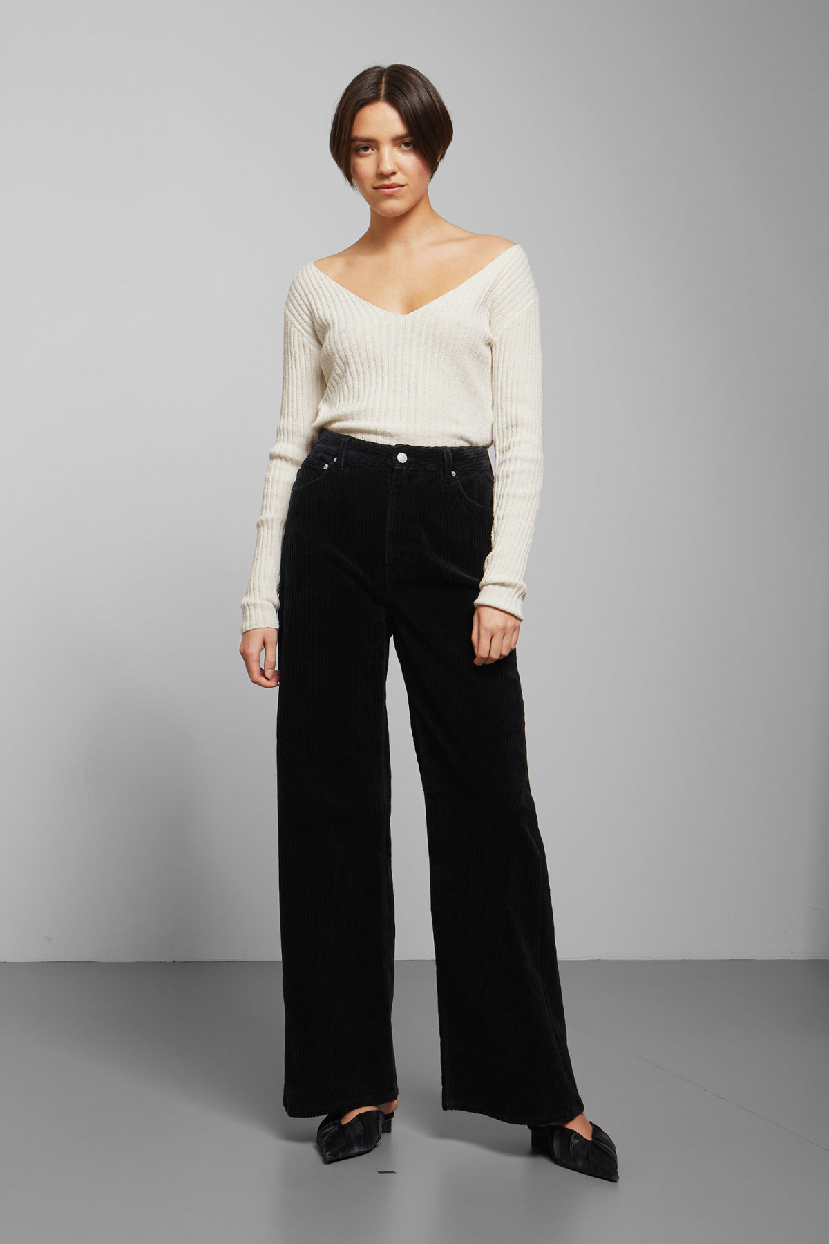 Model front image of Weekday ace corduroy trousers in black