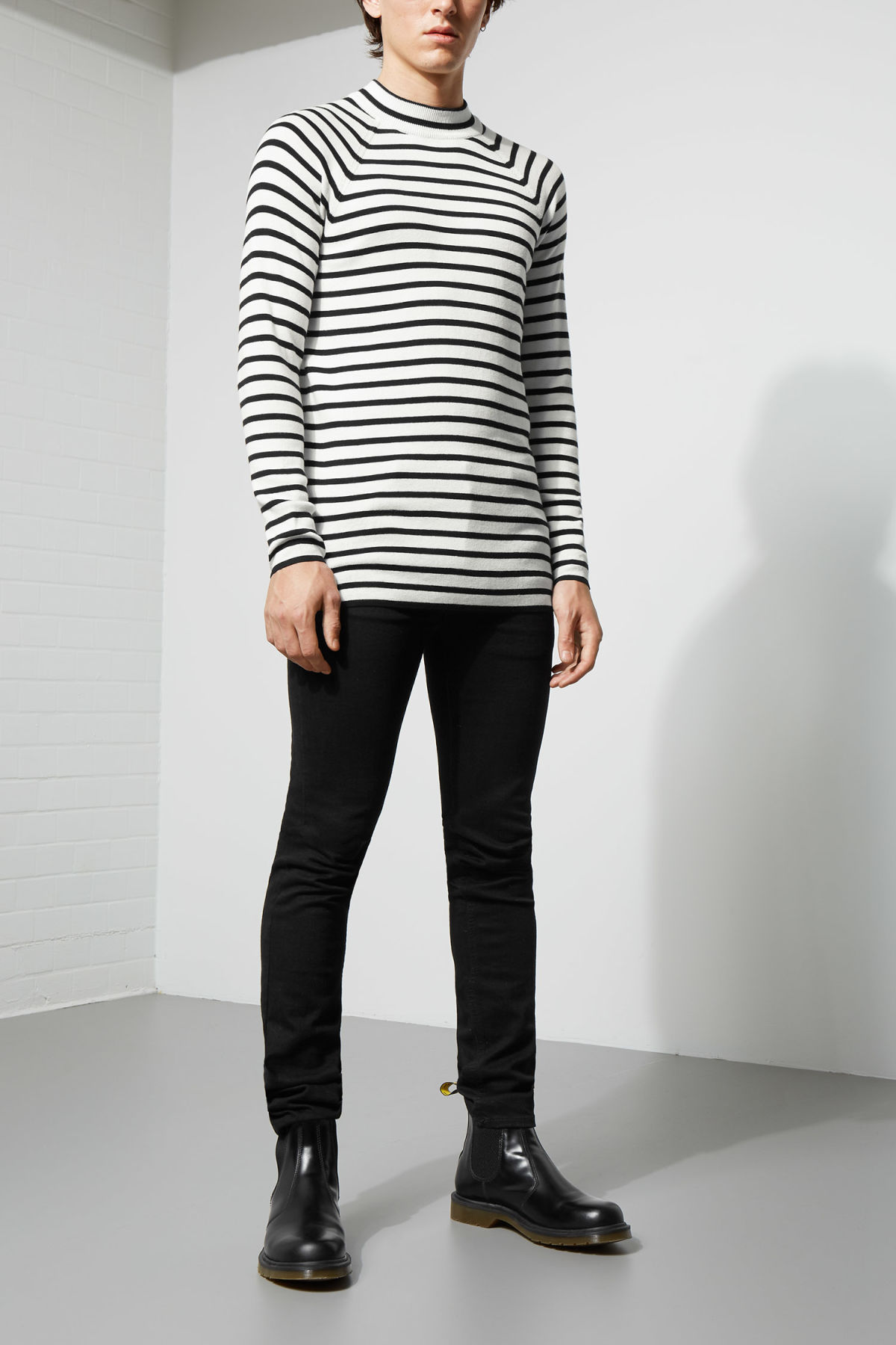 Model front image of Weekday true sweater in white