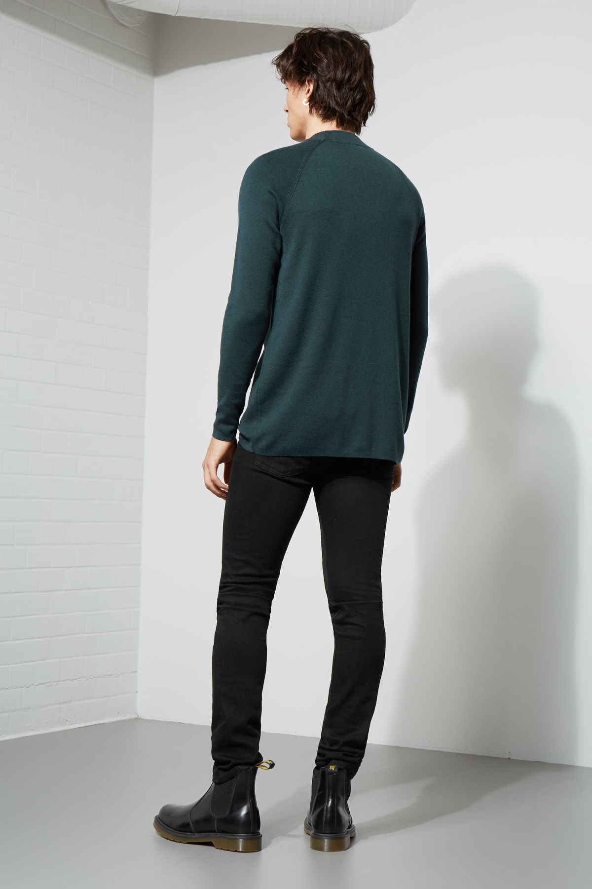 Model back image of Weekday true sweater in turquoise