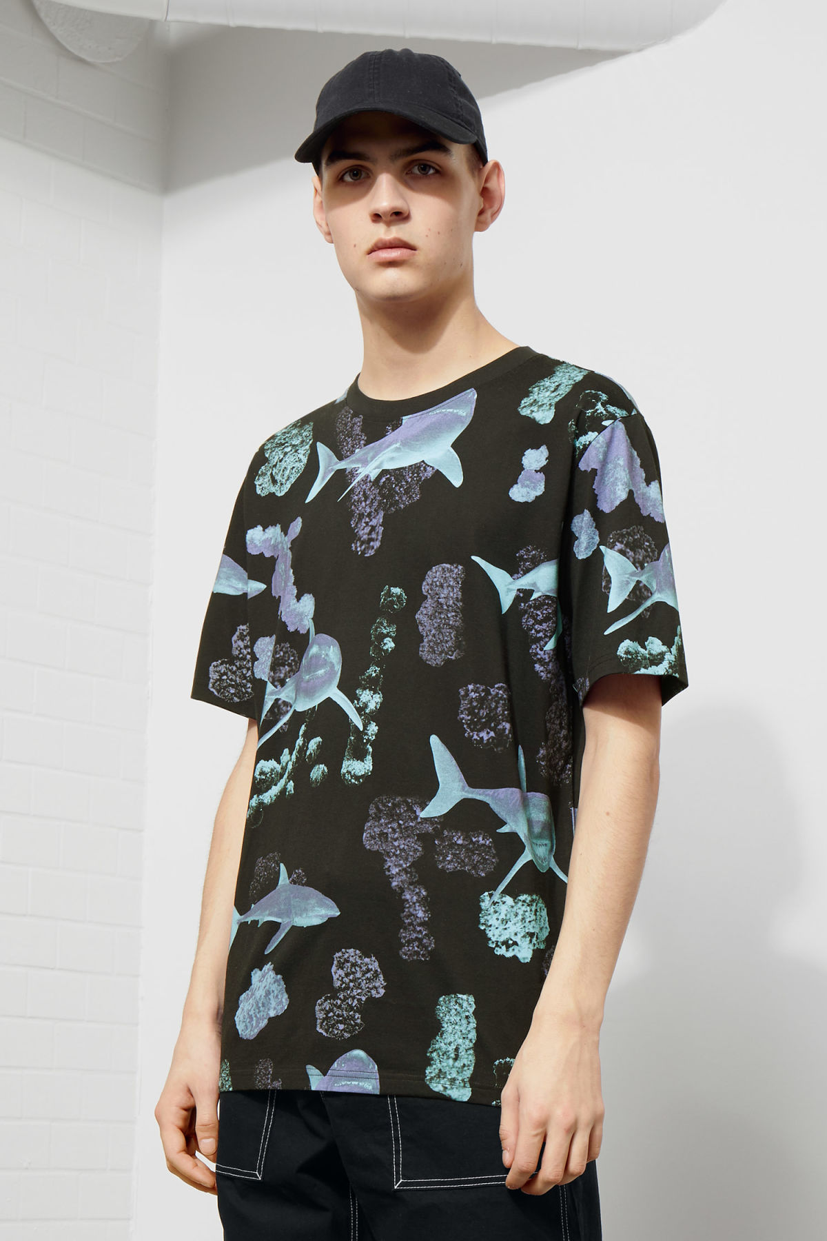 Model front image of Weekday frank coral t-shirt in black