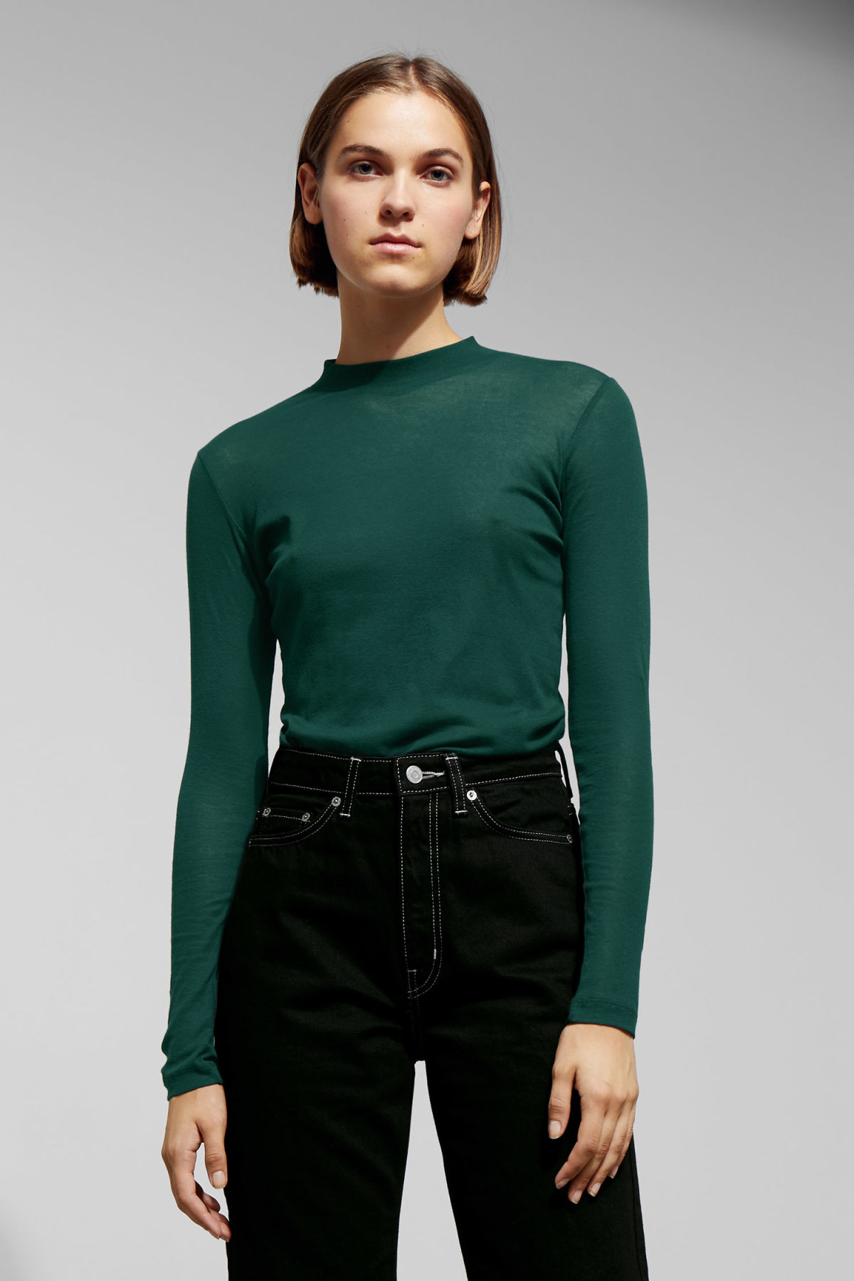 Model front image of Weekday meja long sleeve in green
