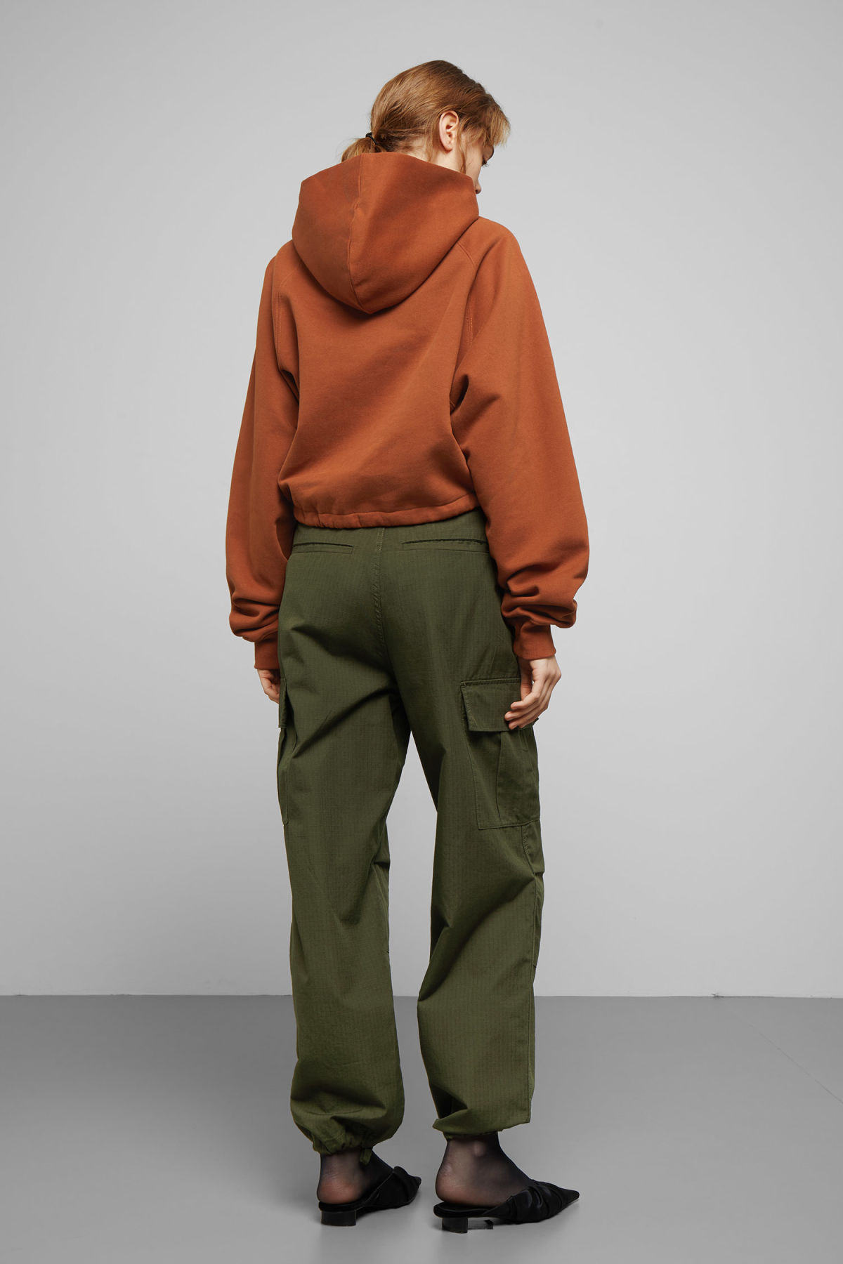 Model back image of Weekday center sweatshirt  in orange