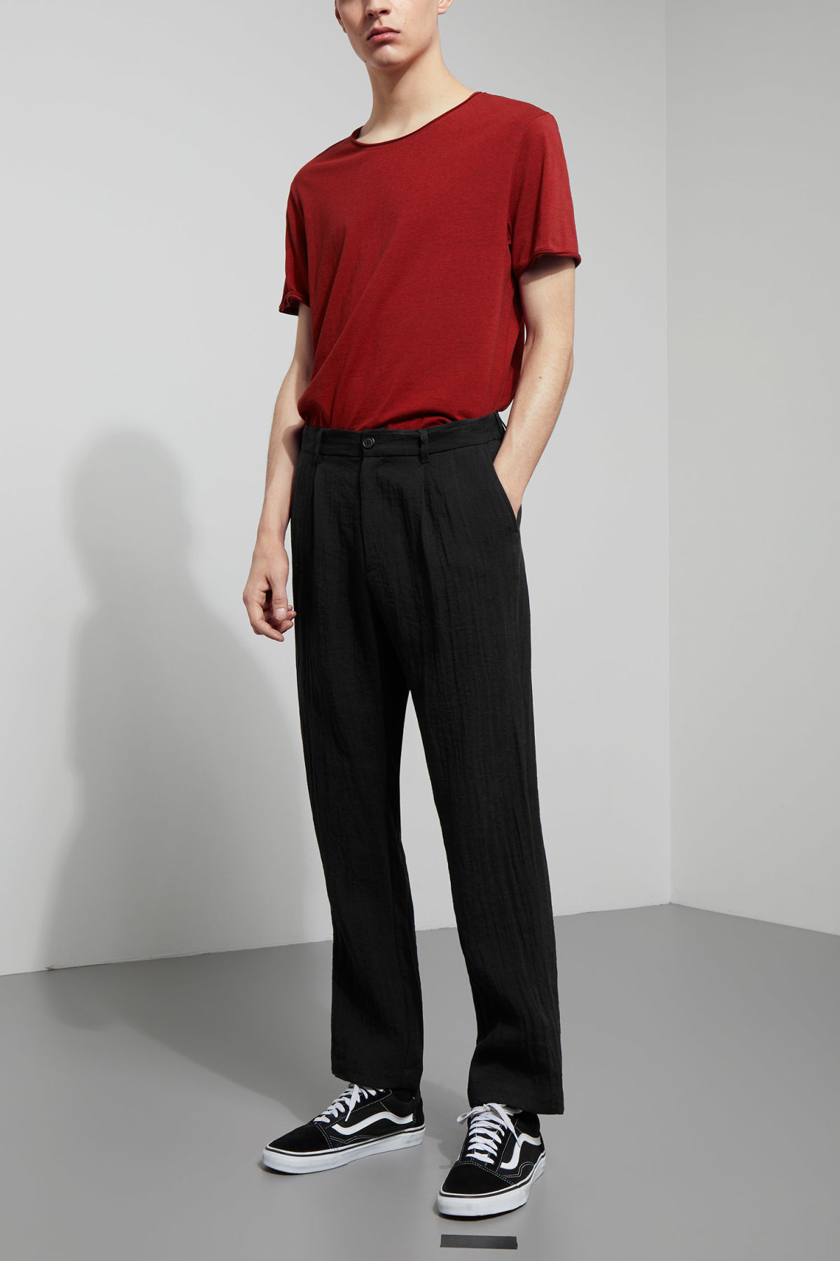 Model front image of Weekday largo trousers in black