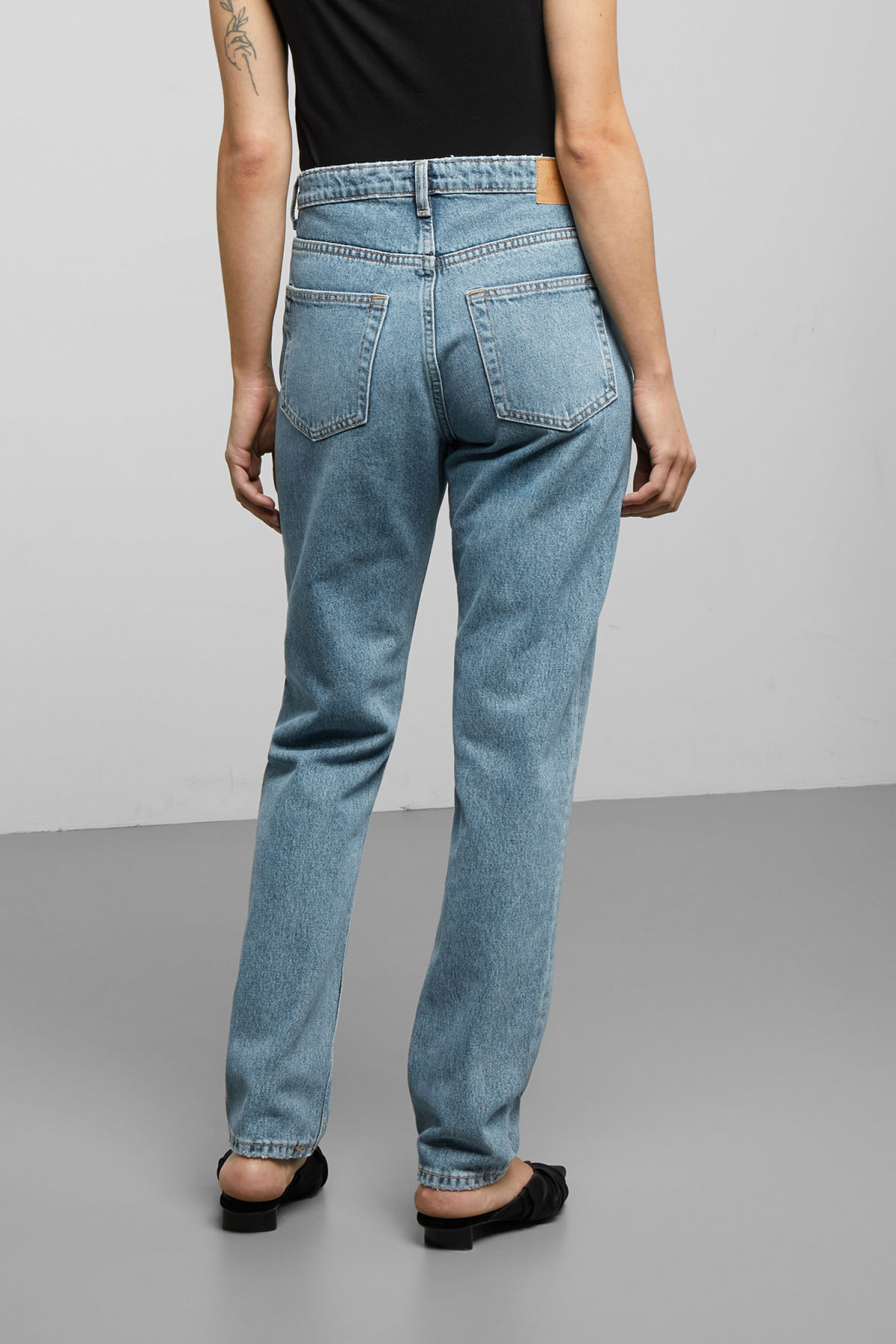 Model front image of Weekday seattle san fran blue jeans in blue