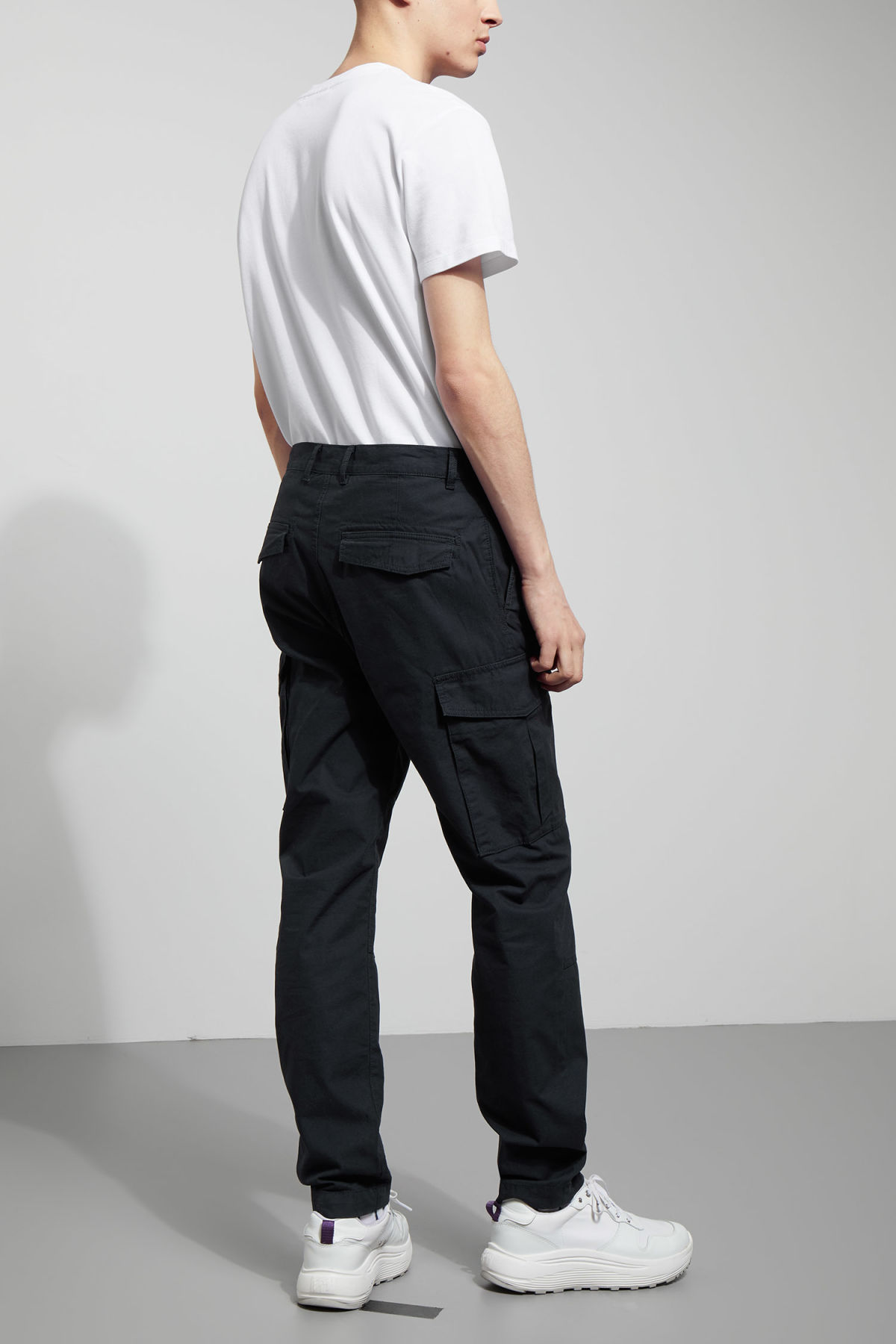 Model back image of Weekday craft pocket trousers in blue