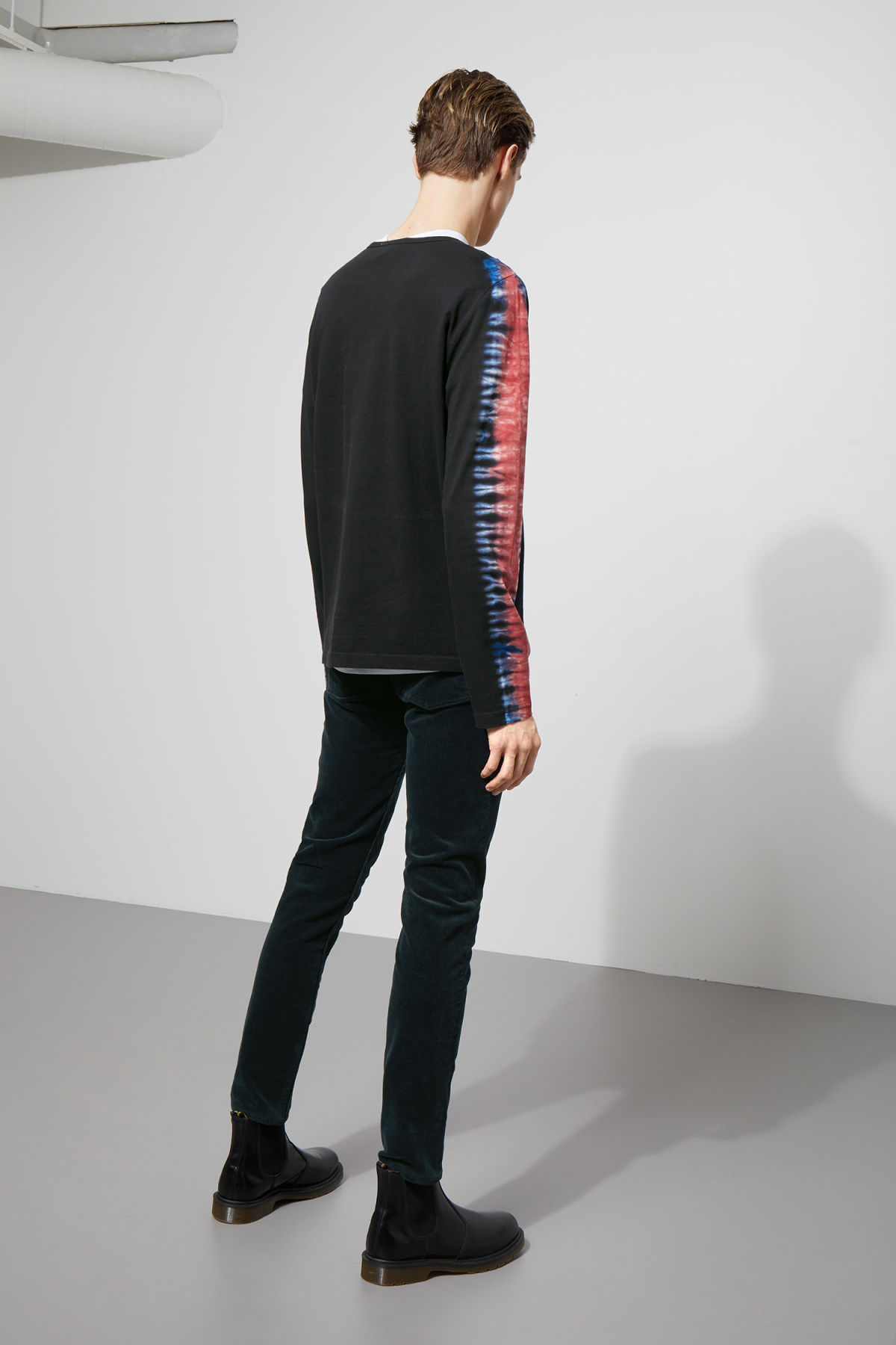 Model side image of Weekday chain dye long sleeve  in black