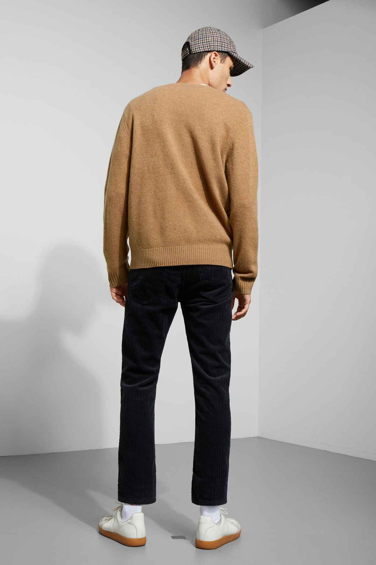 Model back image of Weekday richie wool sweater in beige