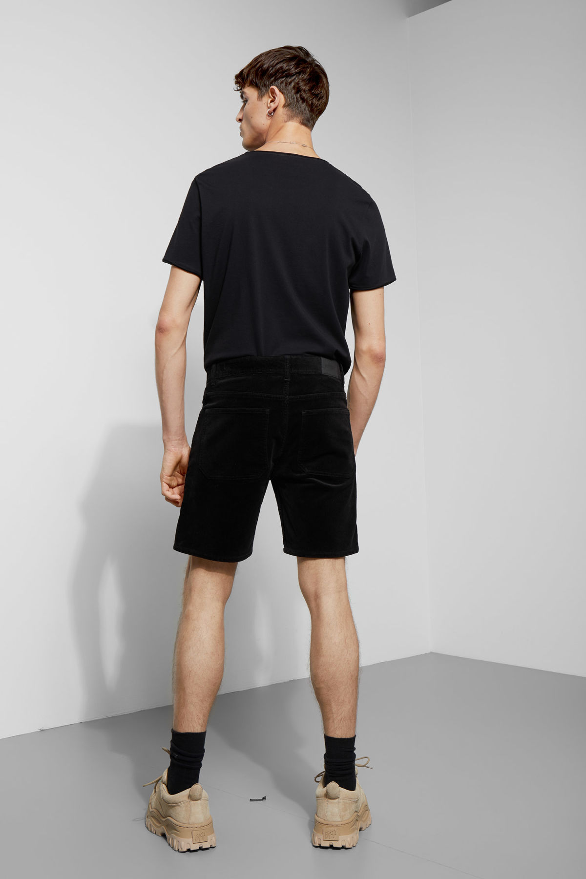Model back image of Weekday lucas corduroy shorts in black