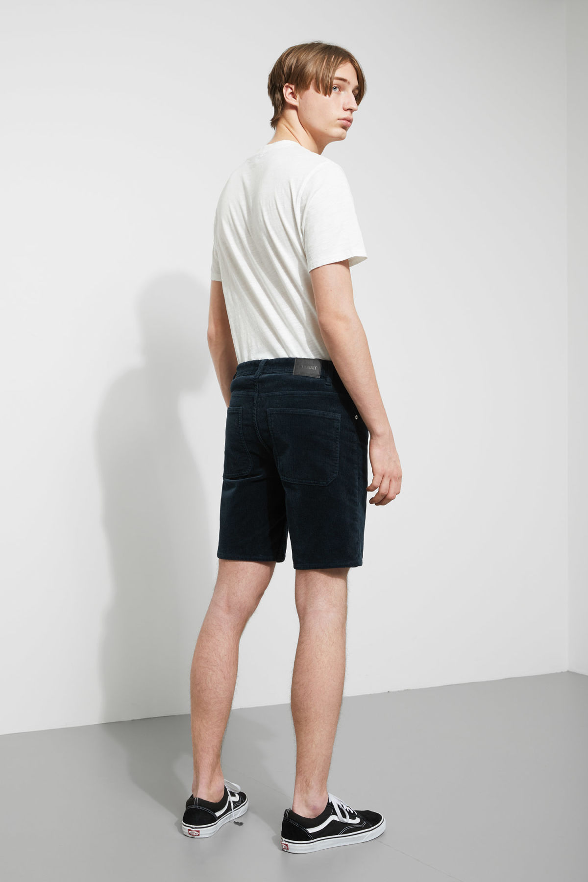 Model back image of Weekday lucas corduroy shorts in turquoise