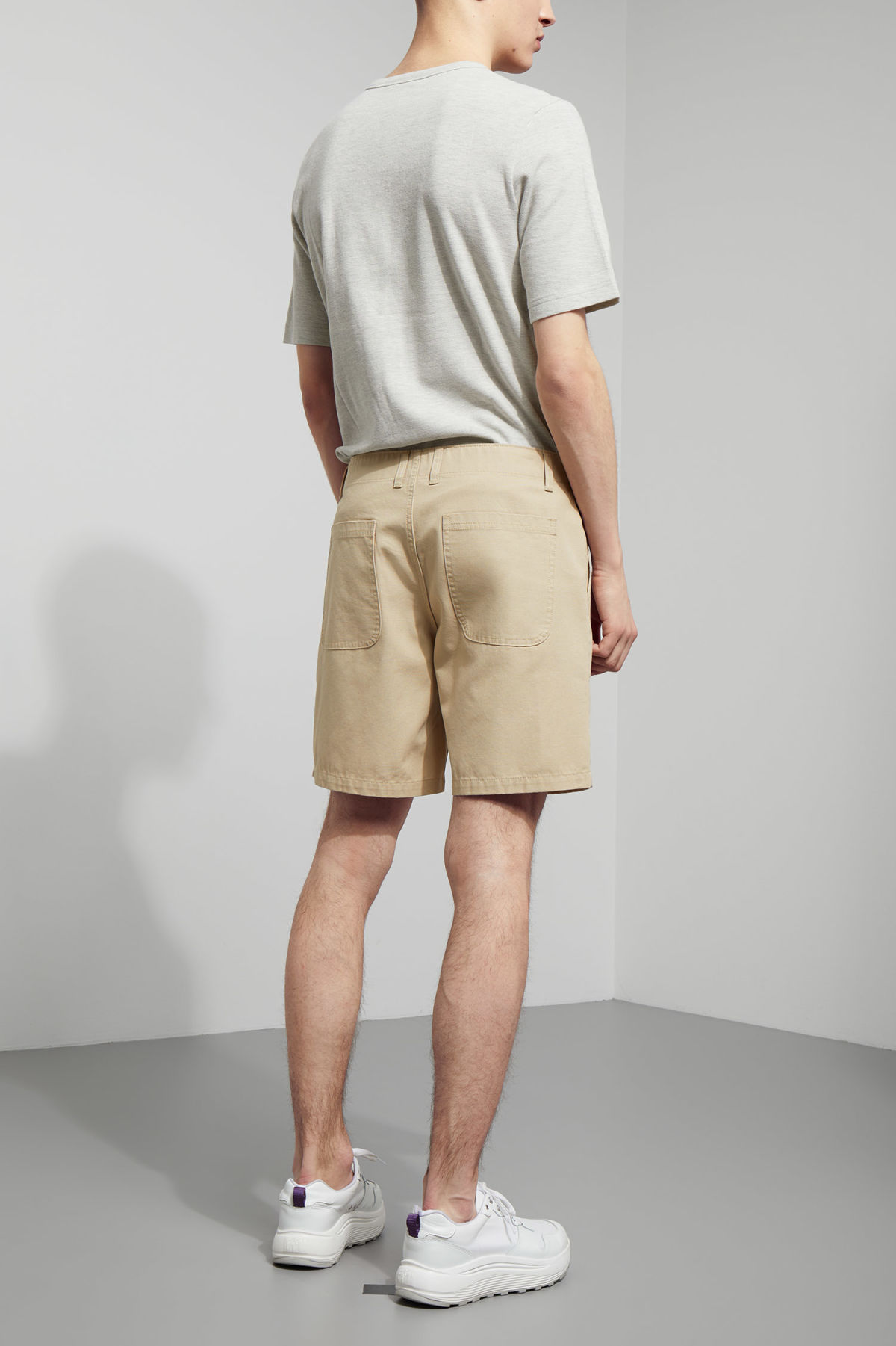 Model back image of Weekday james pocket shorts in beige