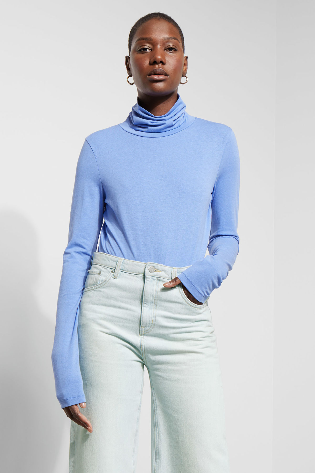 Model front image of Weekday alice turtleneck  in blue