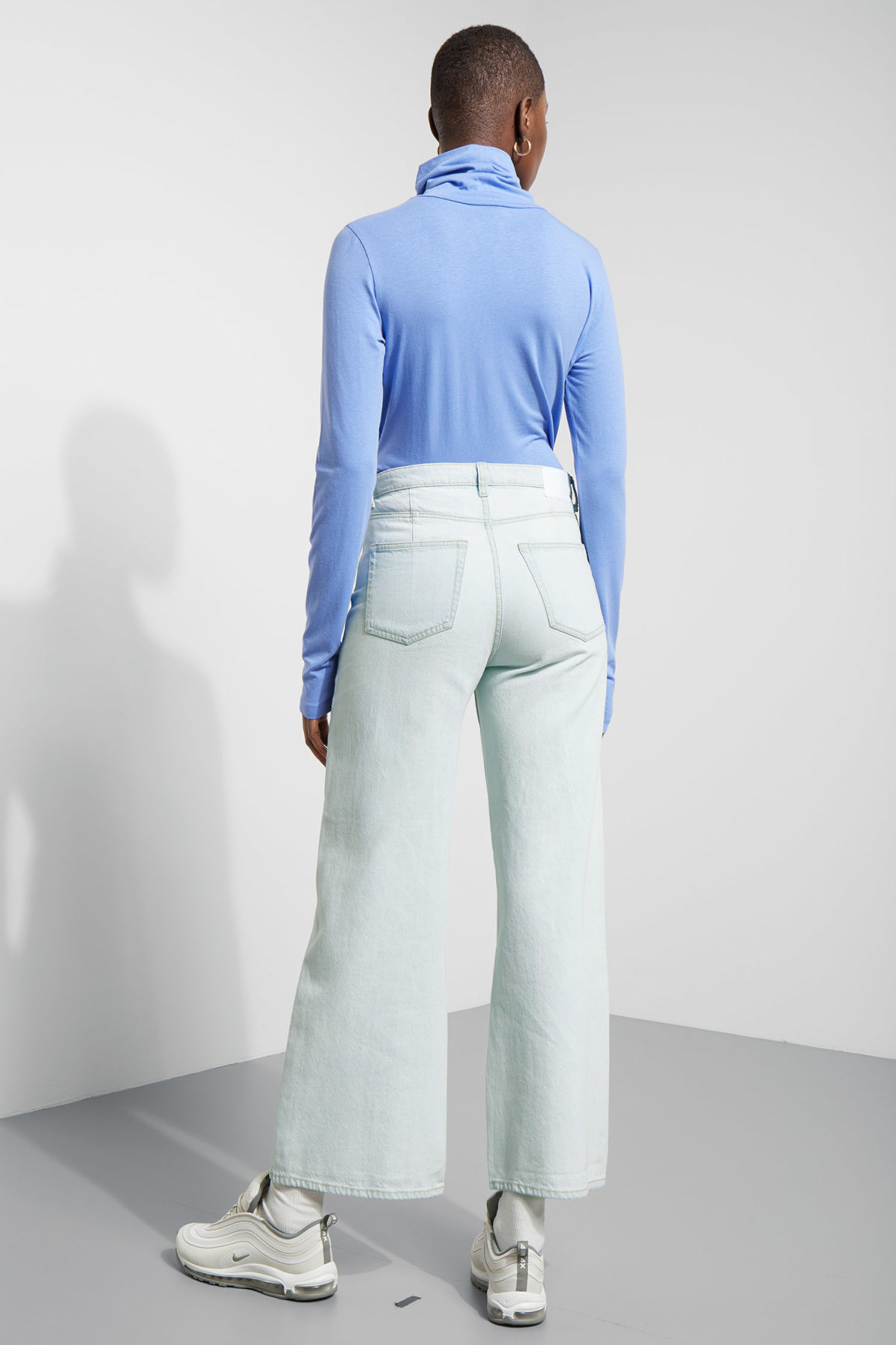 Model back image of Weekday alice turtleneck  in blue