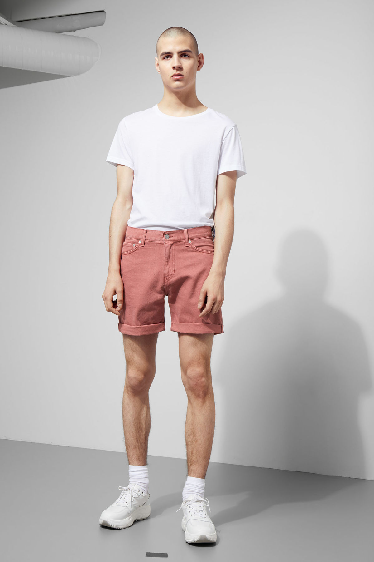 Model front image of Weekday beach day rose shorts in orange