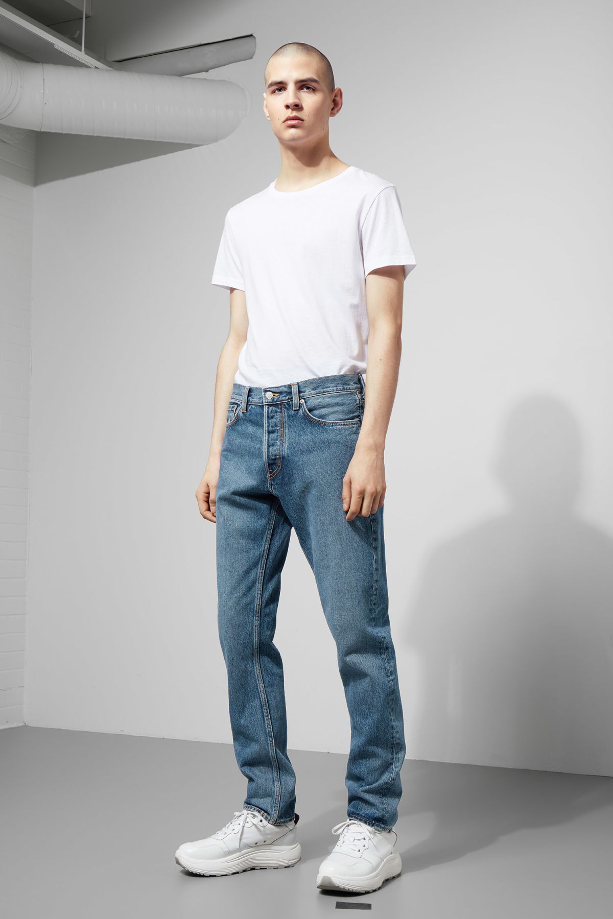 Model front image of Weekday pine marwin blue jeans in blue