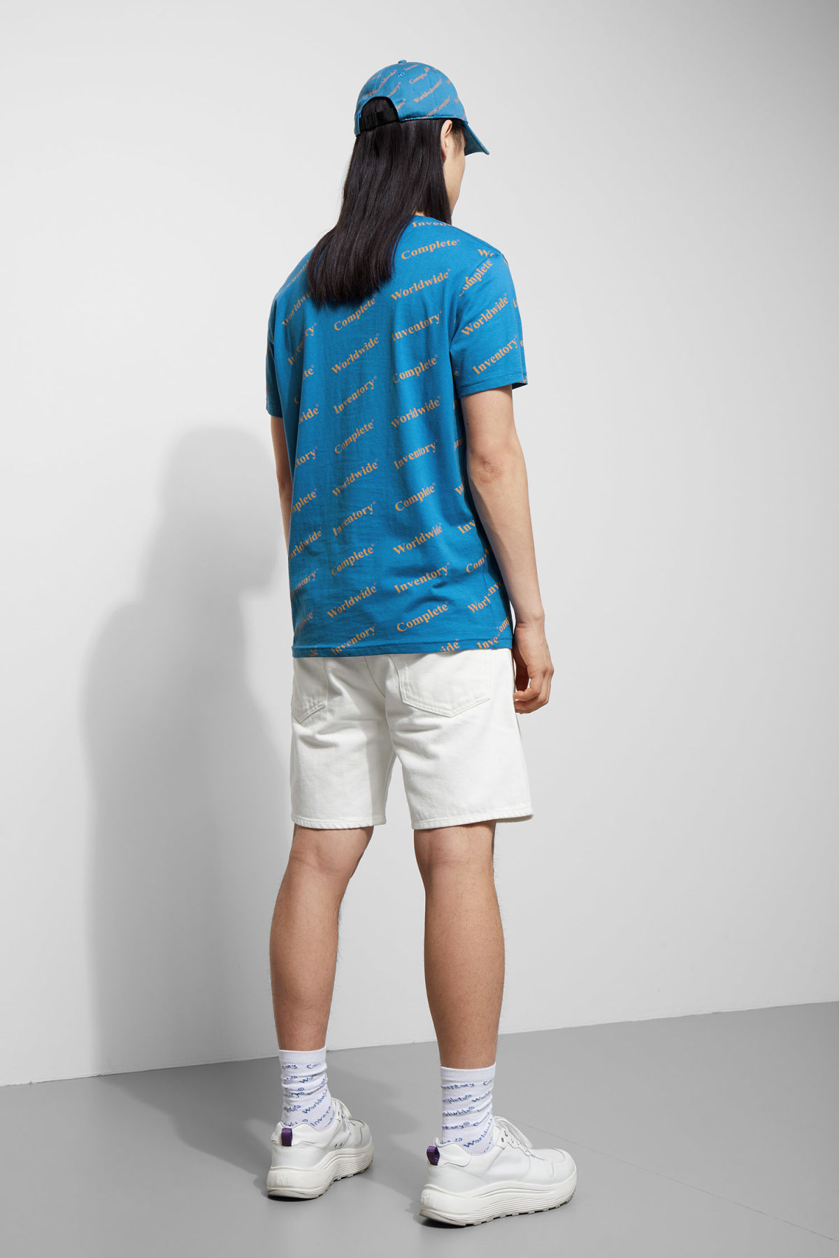 Model back image of Weekday alan complete t-shirt in blue