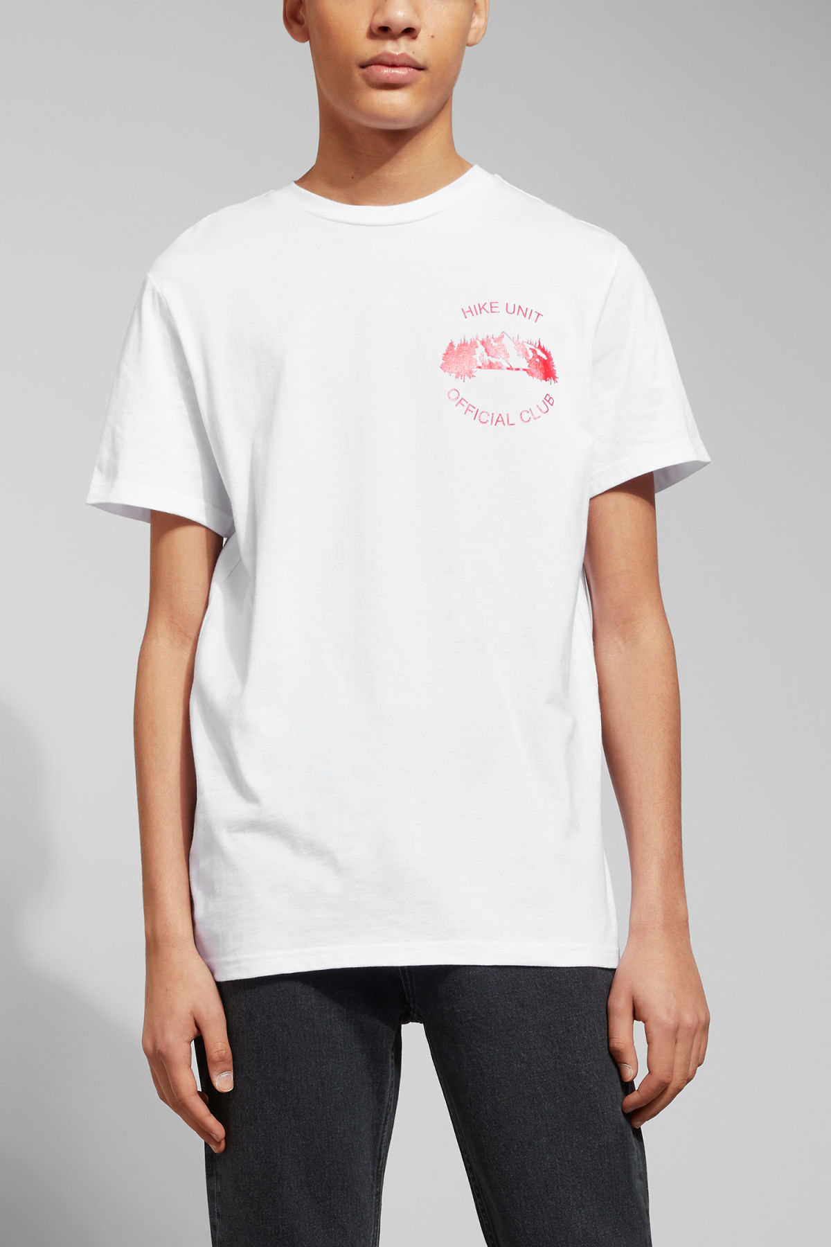 Model front image of Weekday alan hike unit t-shirt in white