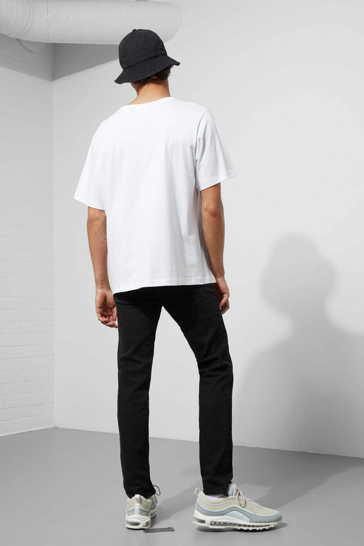 Model back image of Weekday boxer program error tee in white