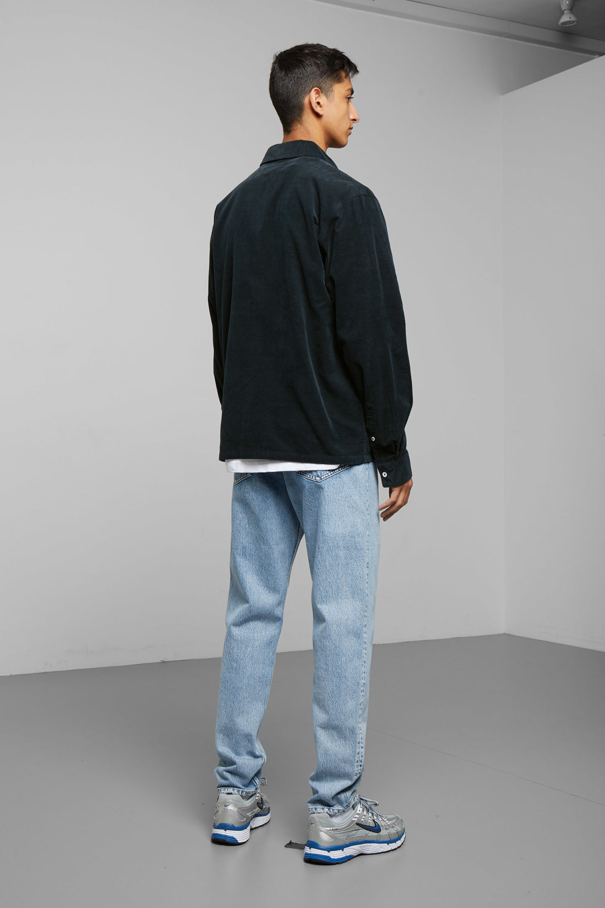 Model side image of Weekday wise cord shirt in blue